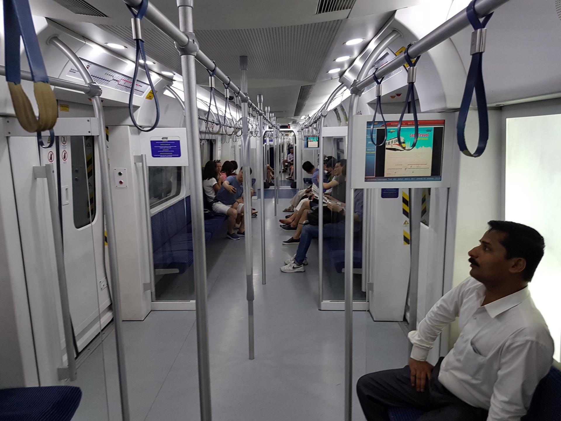 Электричка Куала Лумпур