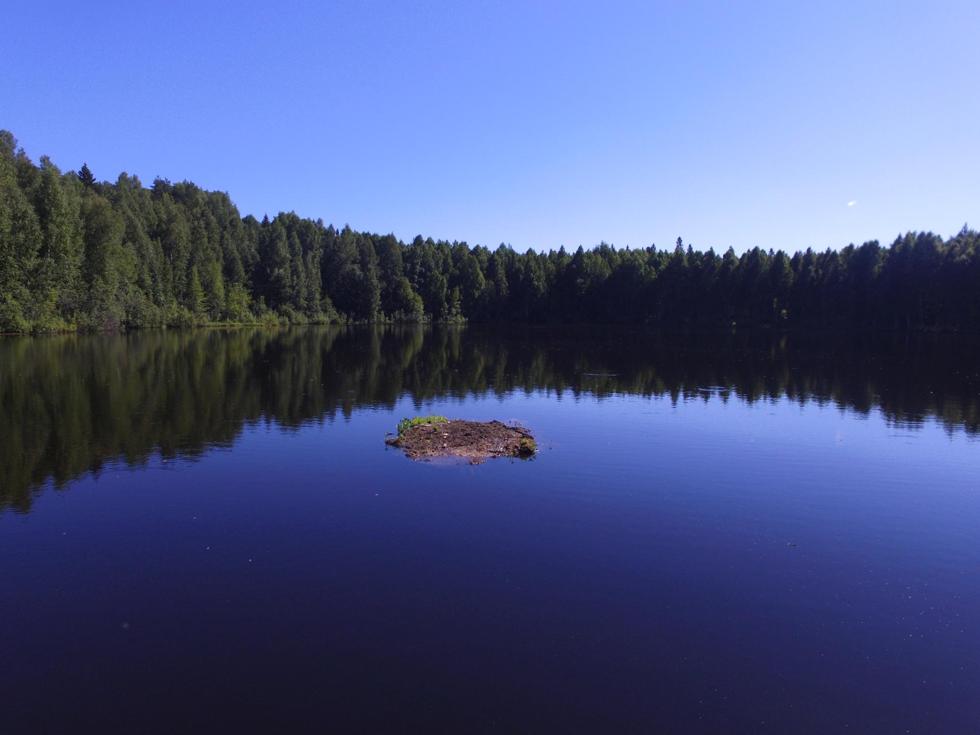 Плавающий остров на озере Шайтан