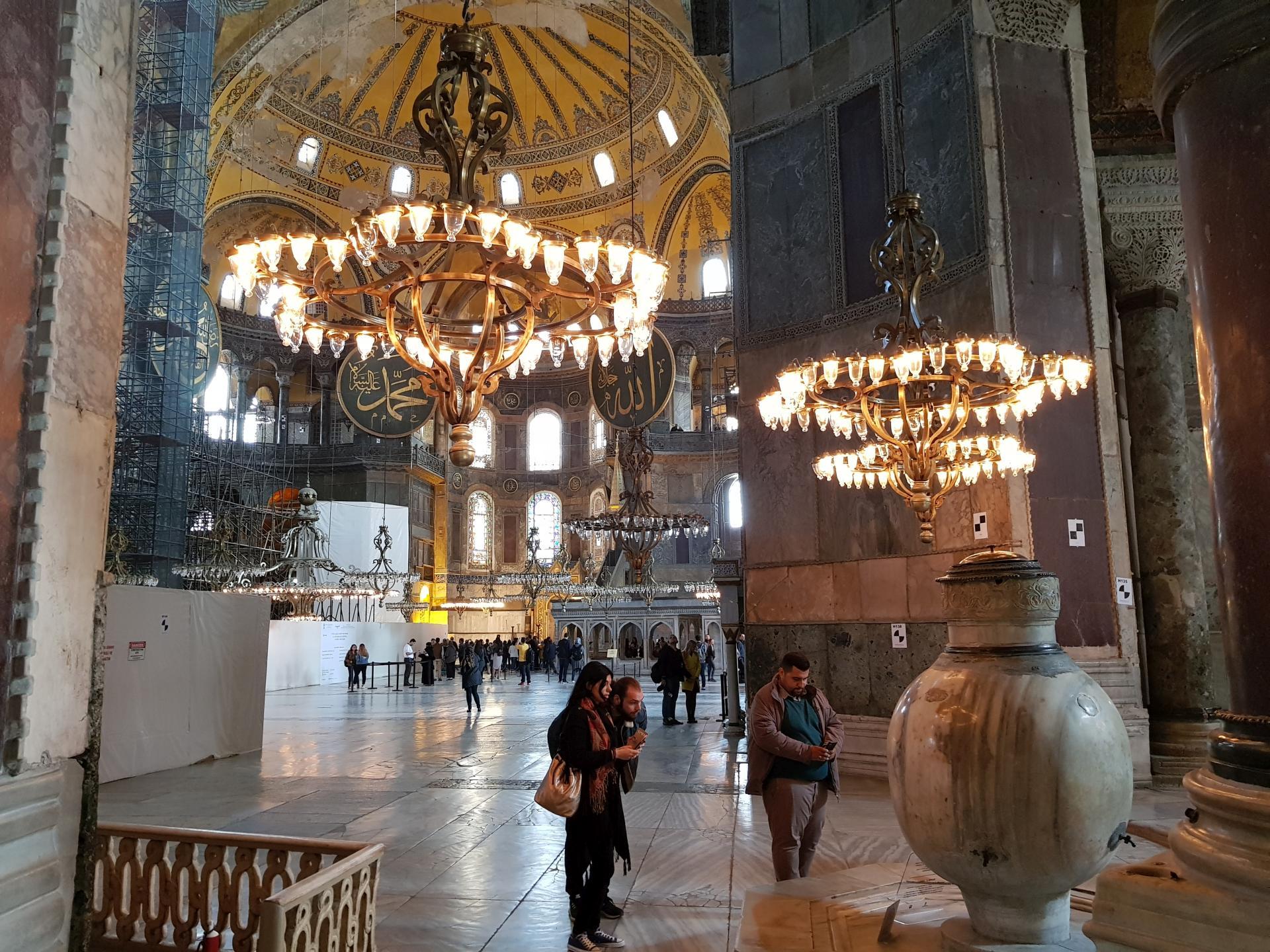 Проход к основному залу в соборе святой Софии