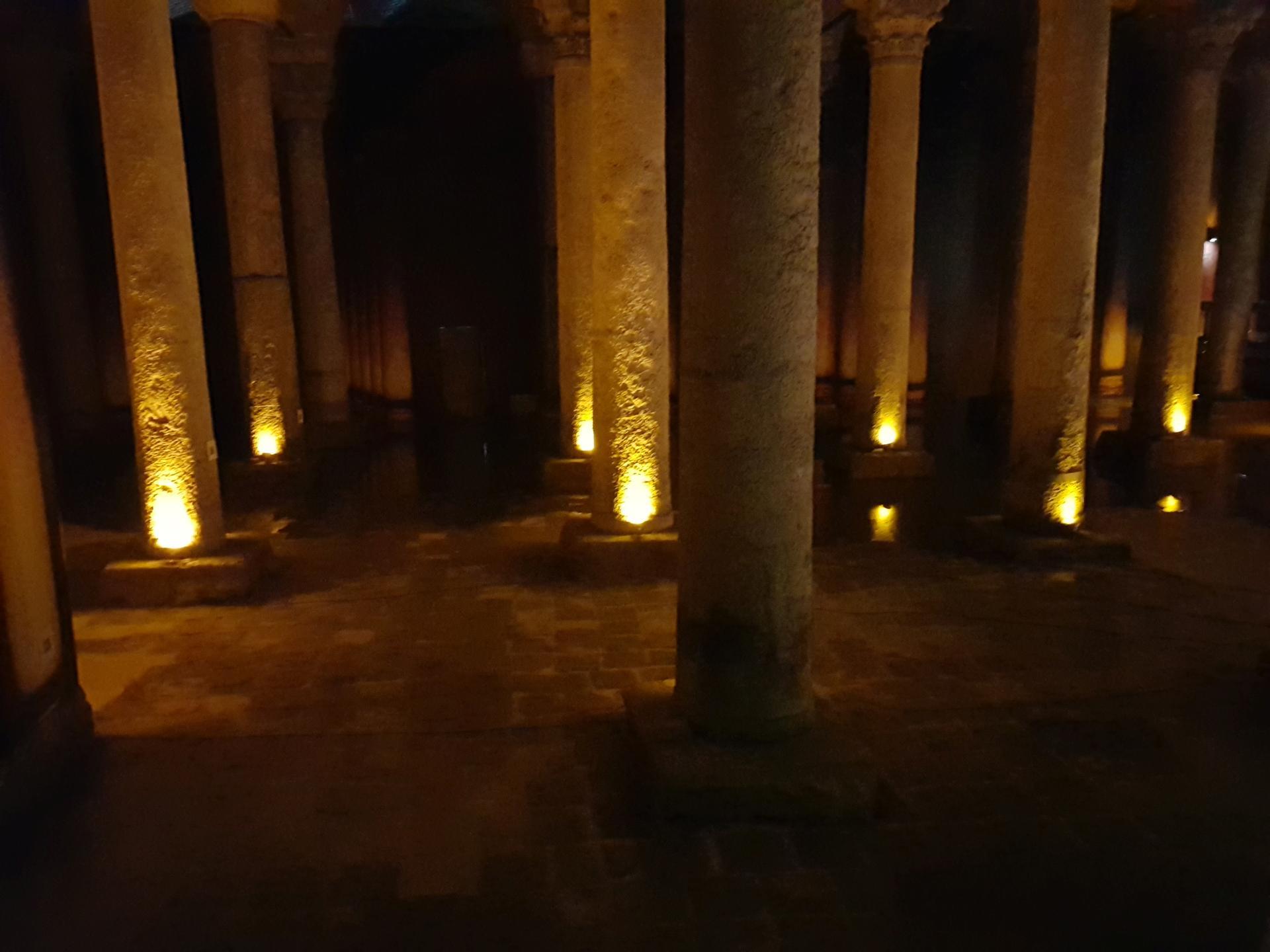 Колонны в Цистерне Базилика