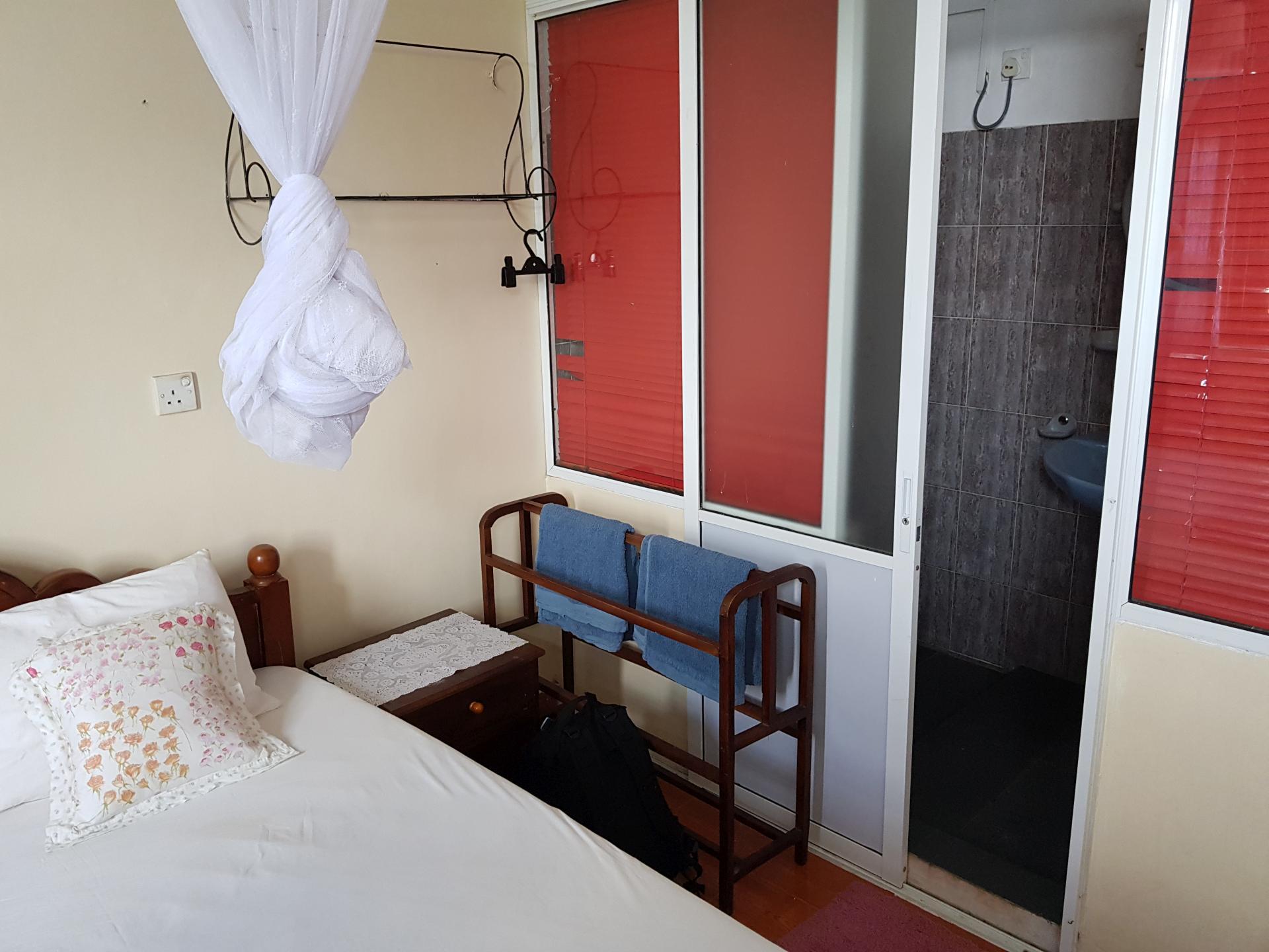 Номер в гостинице в Канди, Шри-Ланка.