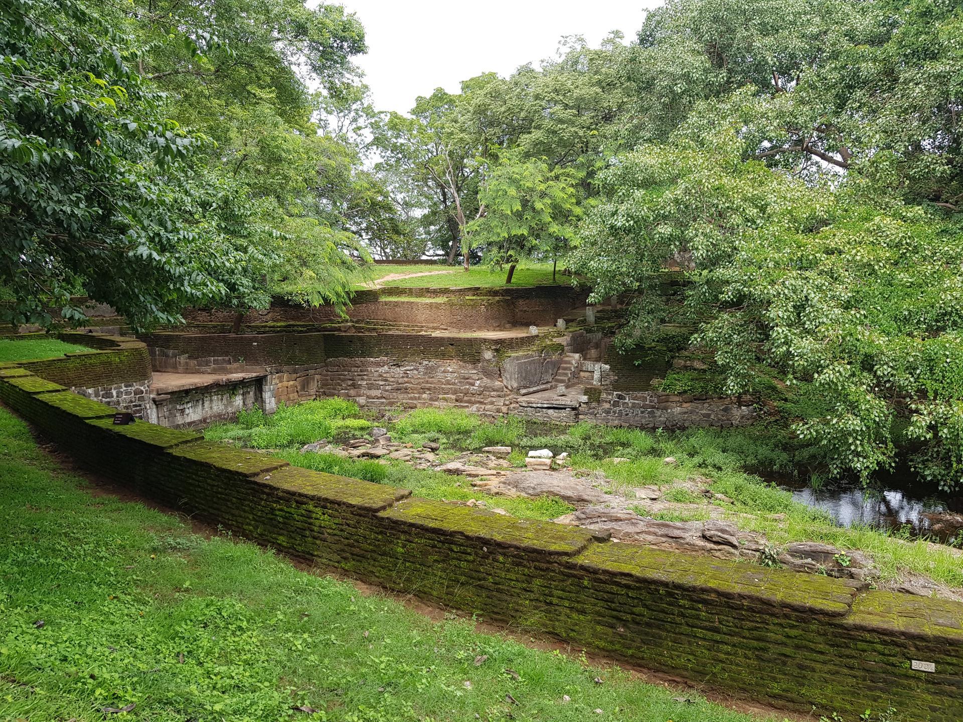Сад короля Парапрамабаху, Полоннарува, Шри-Ланка.