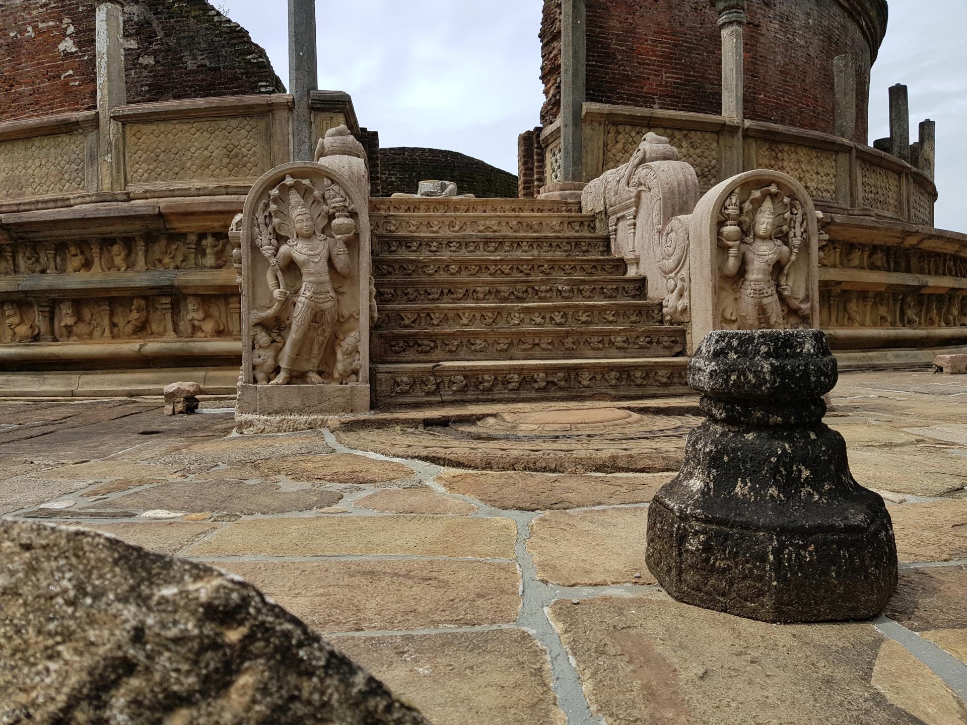 Ватадаге - дом реликвий, Полоннарува, Шри-Ланка.