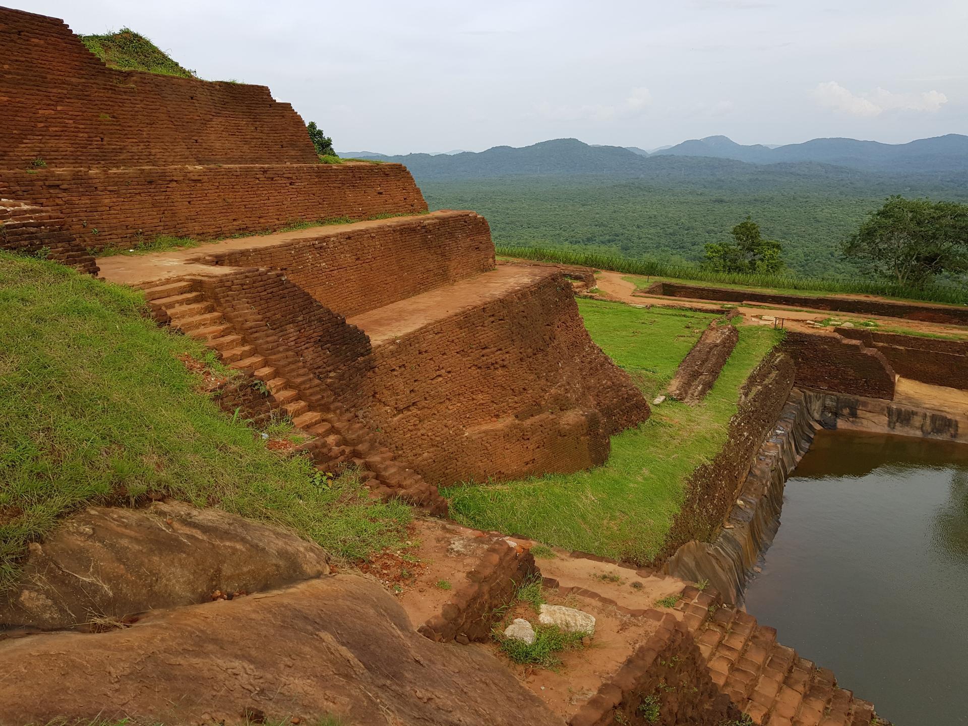 На вершине скалы Сигирия, Шри-Ланка