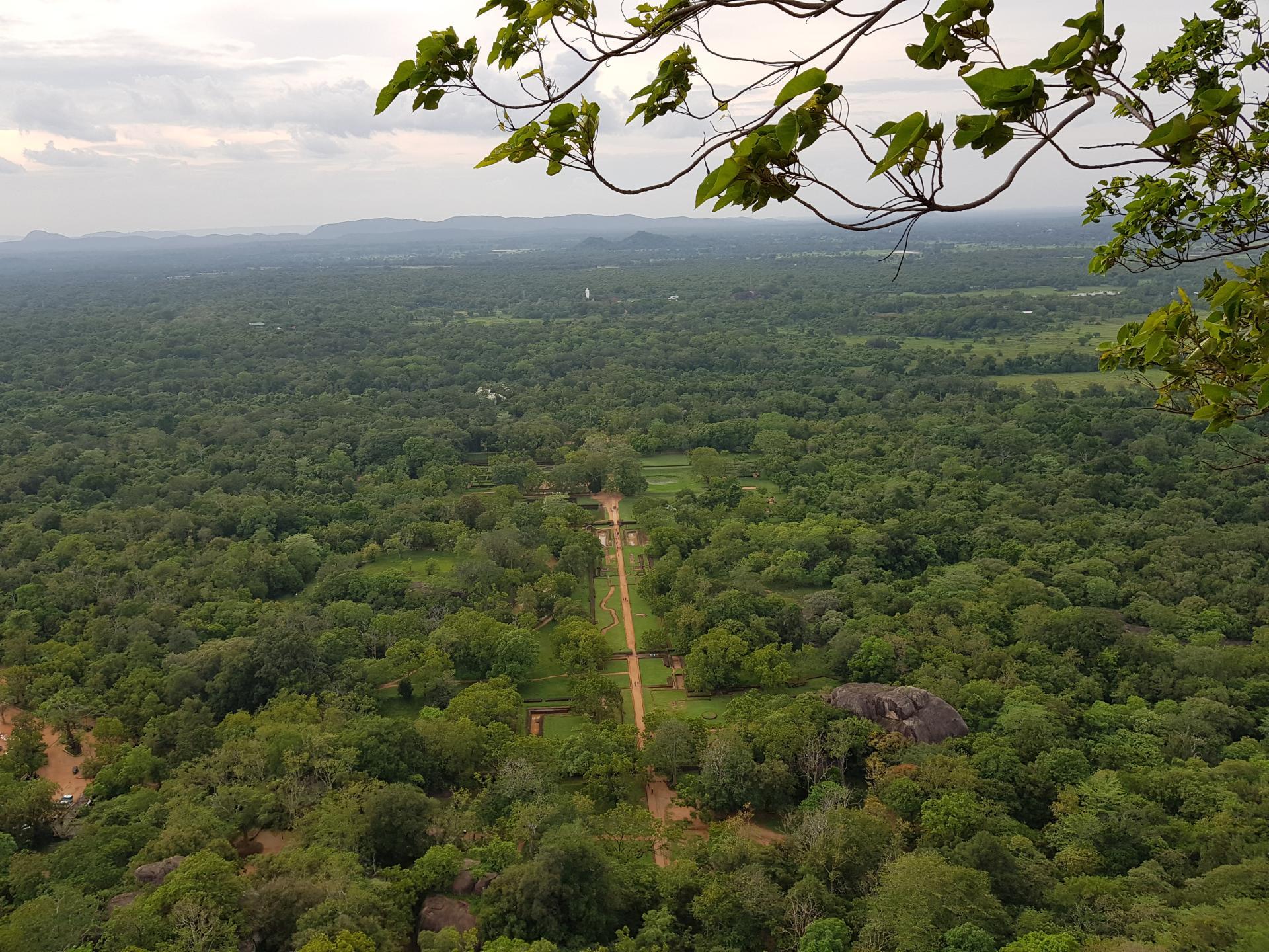 Виды со скалы Сигирия, Шри-Ланка