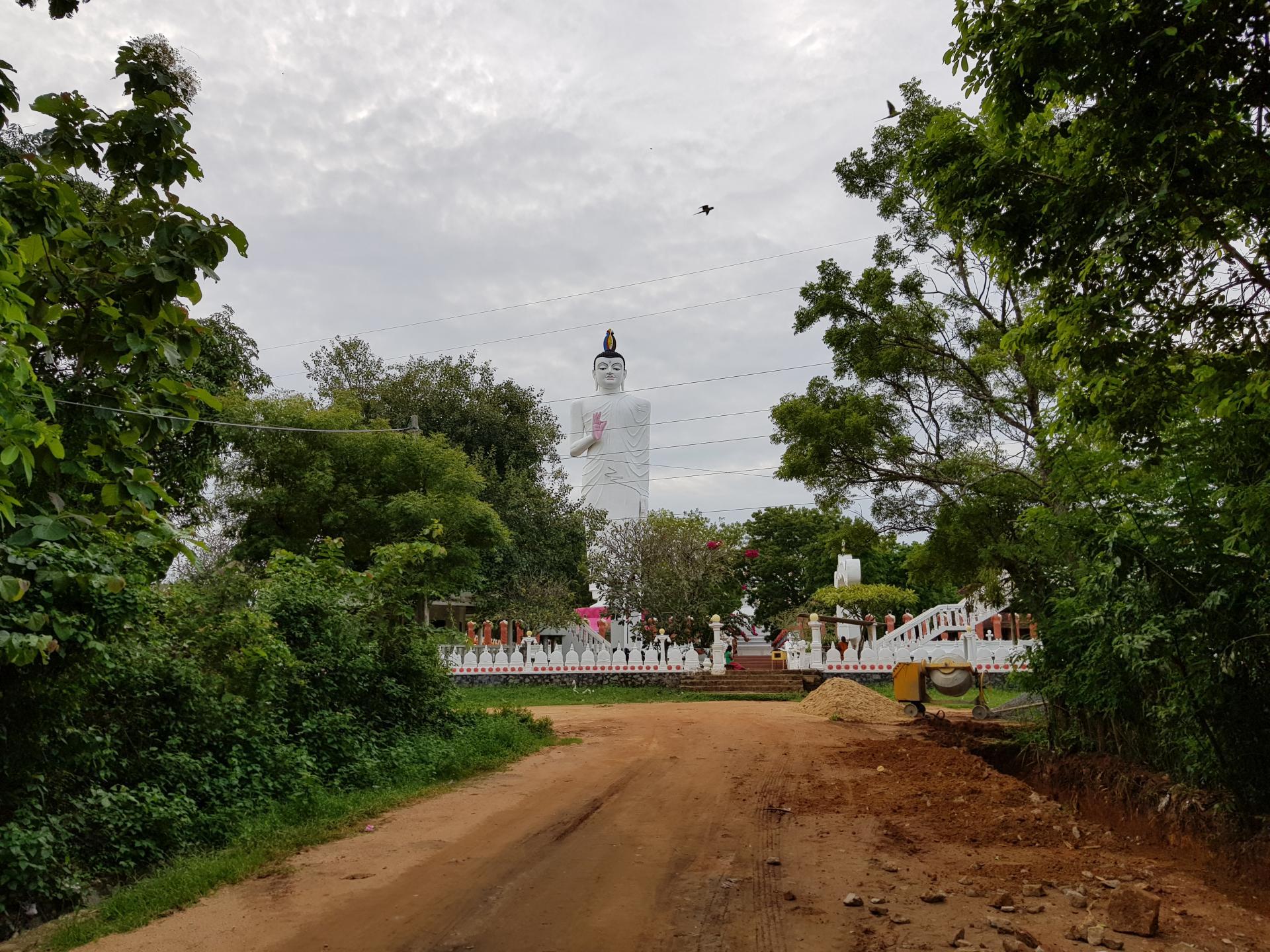 Статуя Будды, Сигирия, Шри-Ланка
