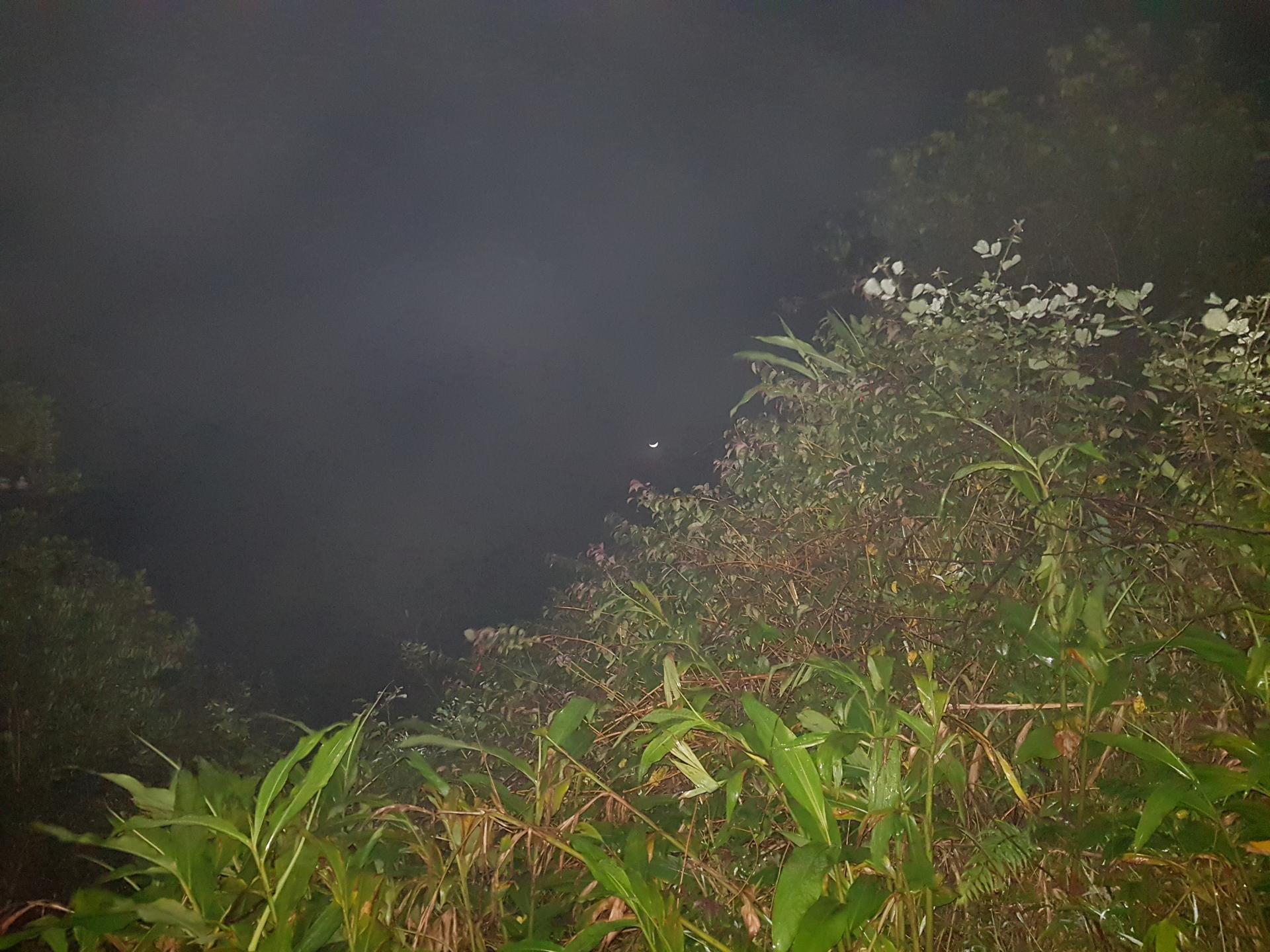 месяц на Шри-Ланке