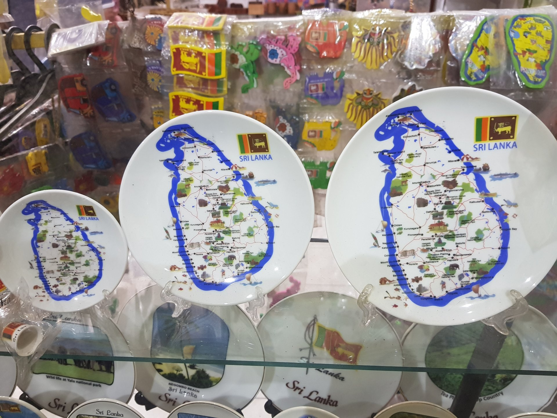 сувенирные тарелки. Шри-Ланка