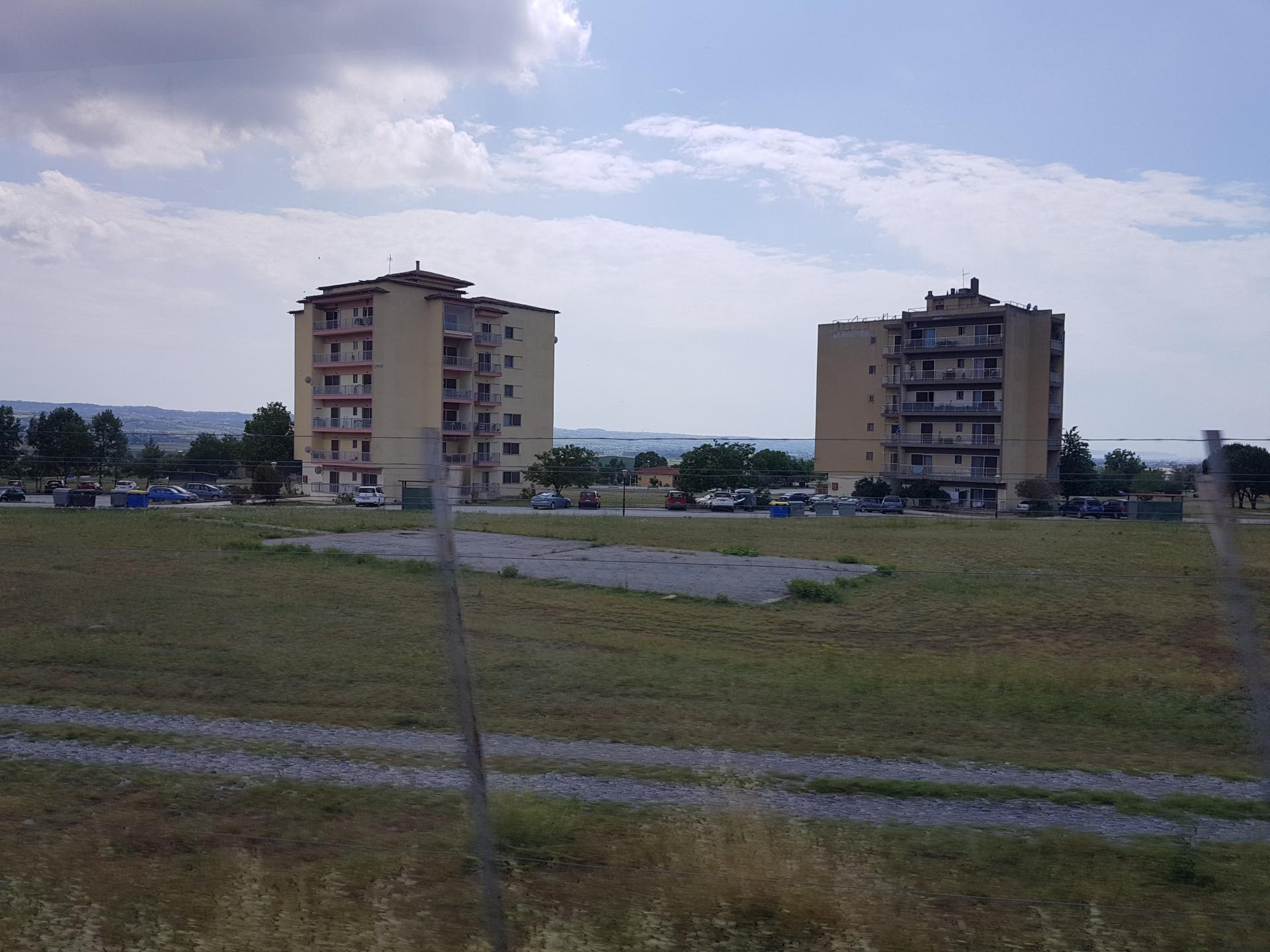 Пятиэтажки в Греции