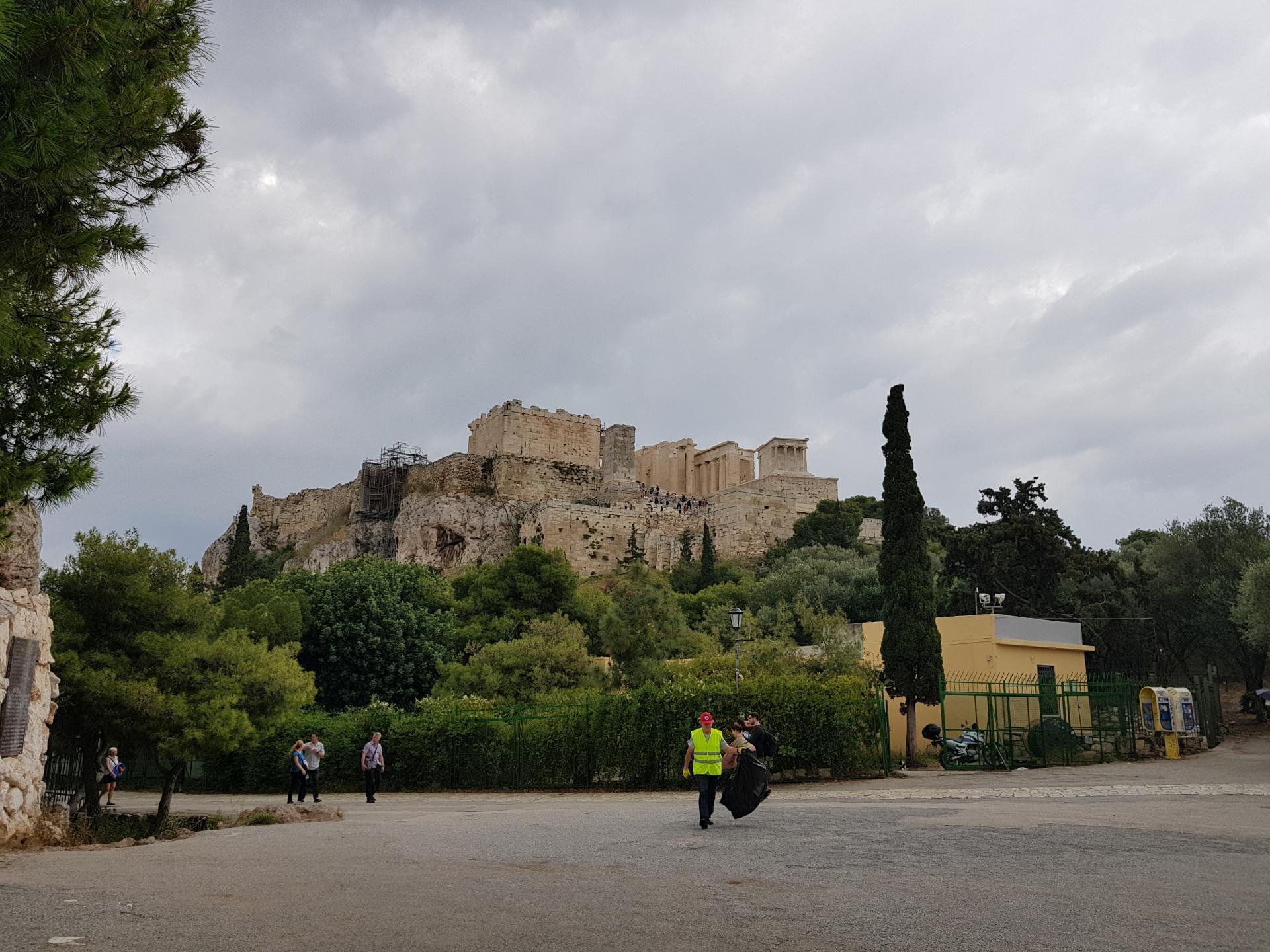 Афинский Акрополь на холме
