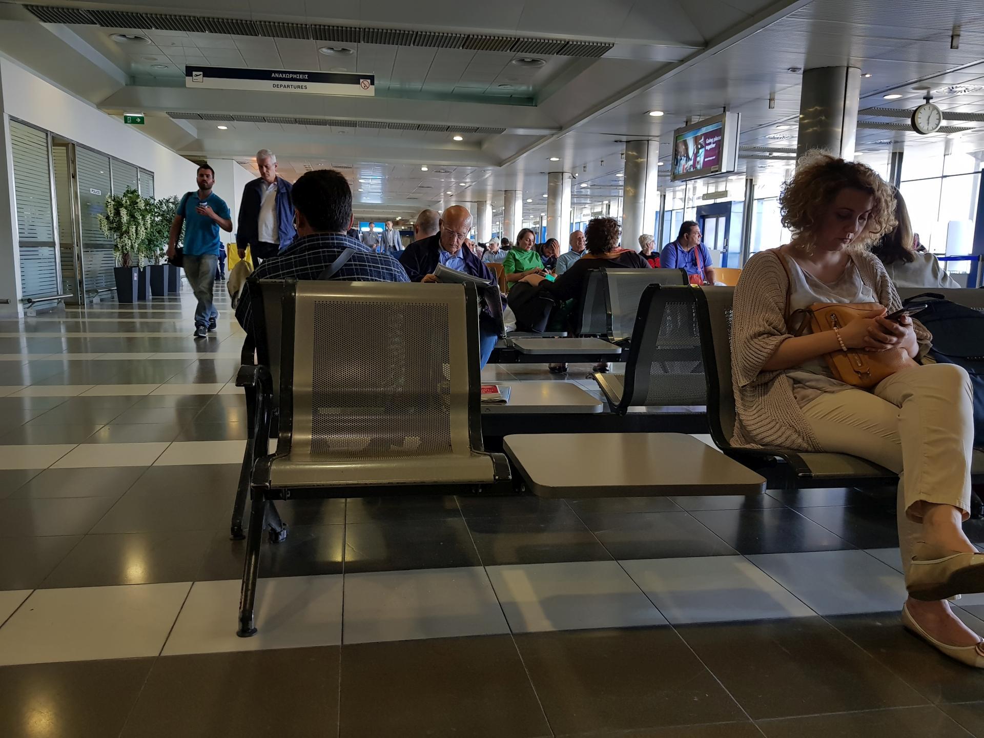 внутри аэропорта Салоники