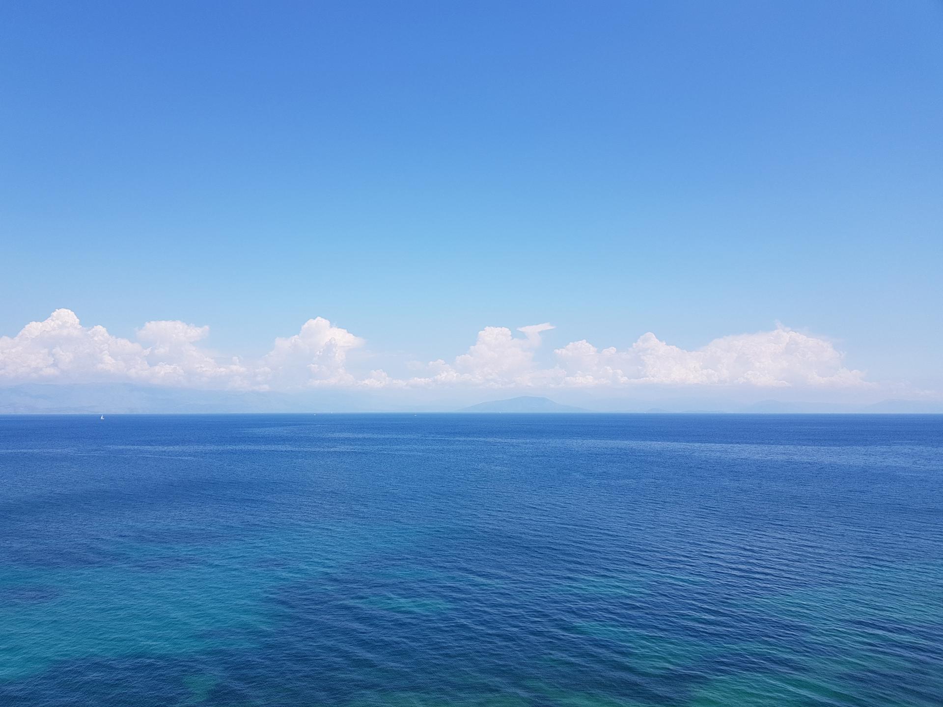 вид на море из отеля Oasis