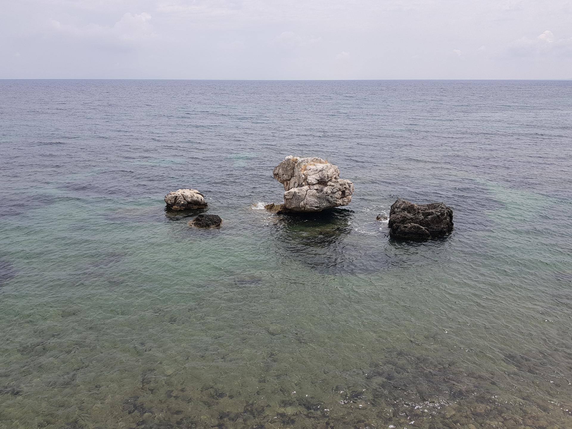 камни в Эгейском море