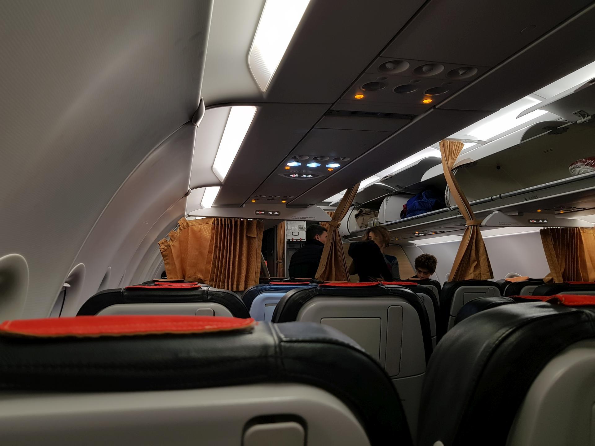 внутри самолета A321