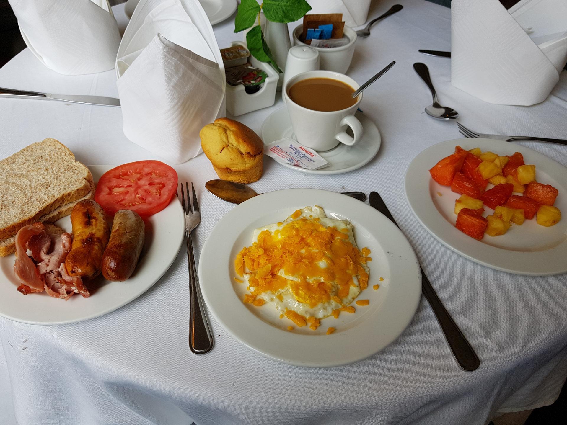 завтрак в африканском отеле