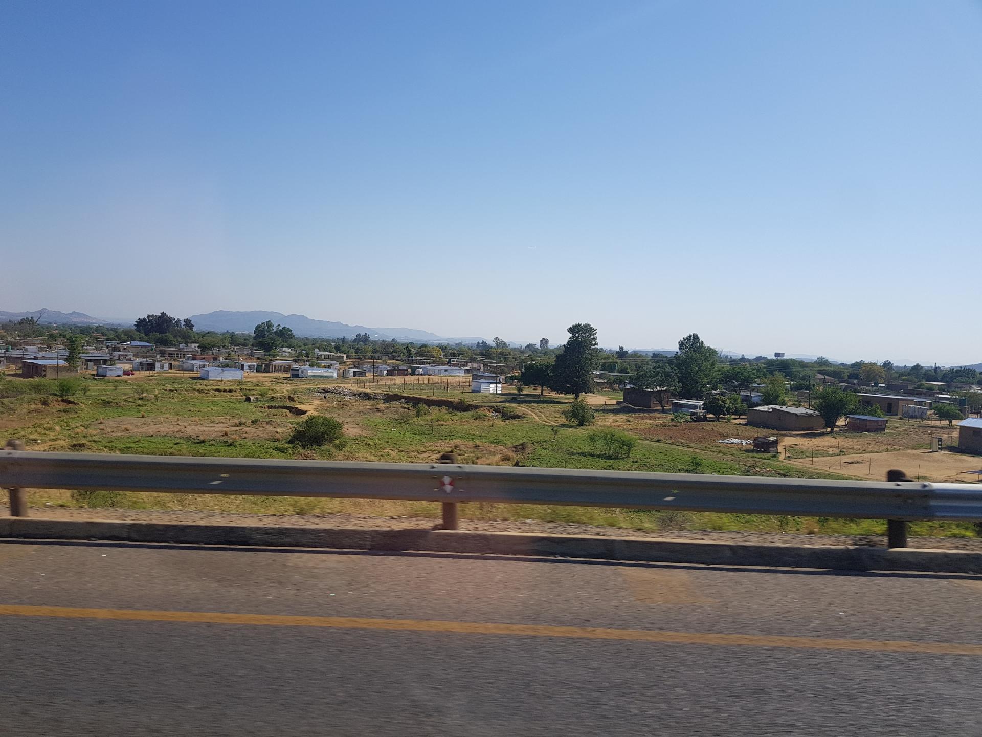 лачуги бедняков в ЮАР