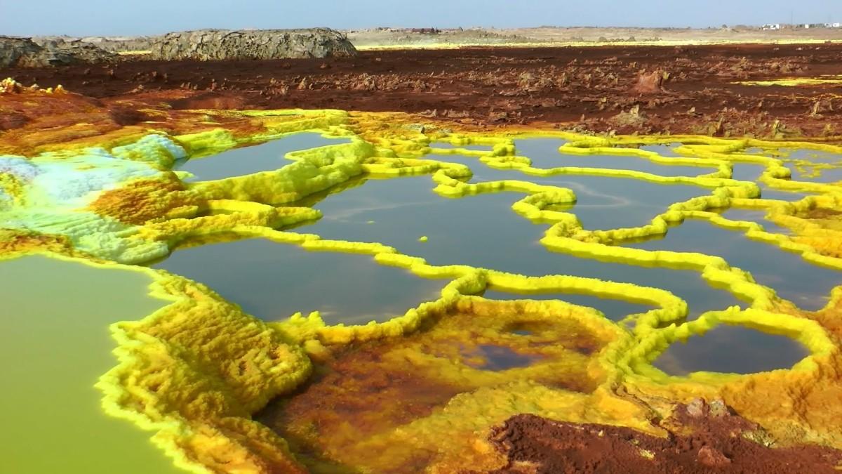отложения солей на вулкане Даллол