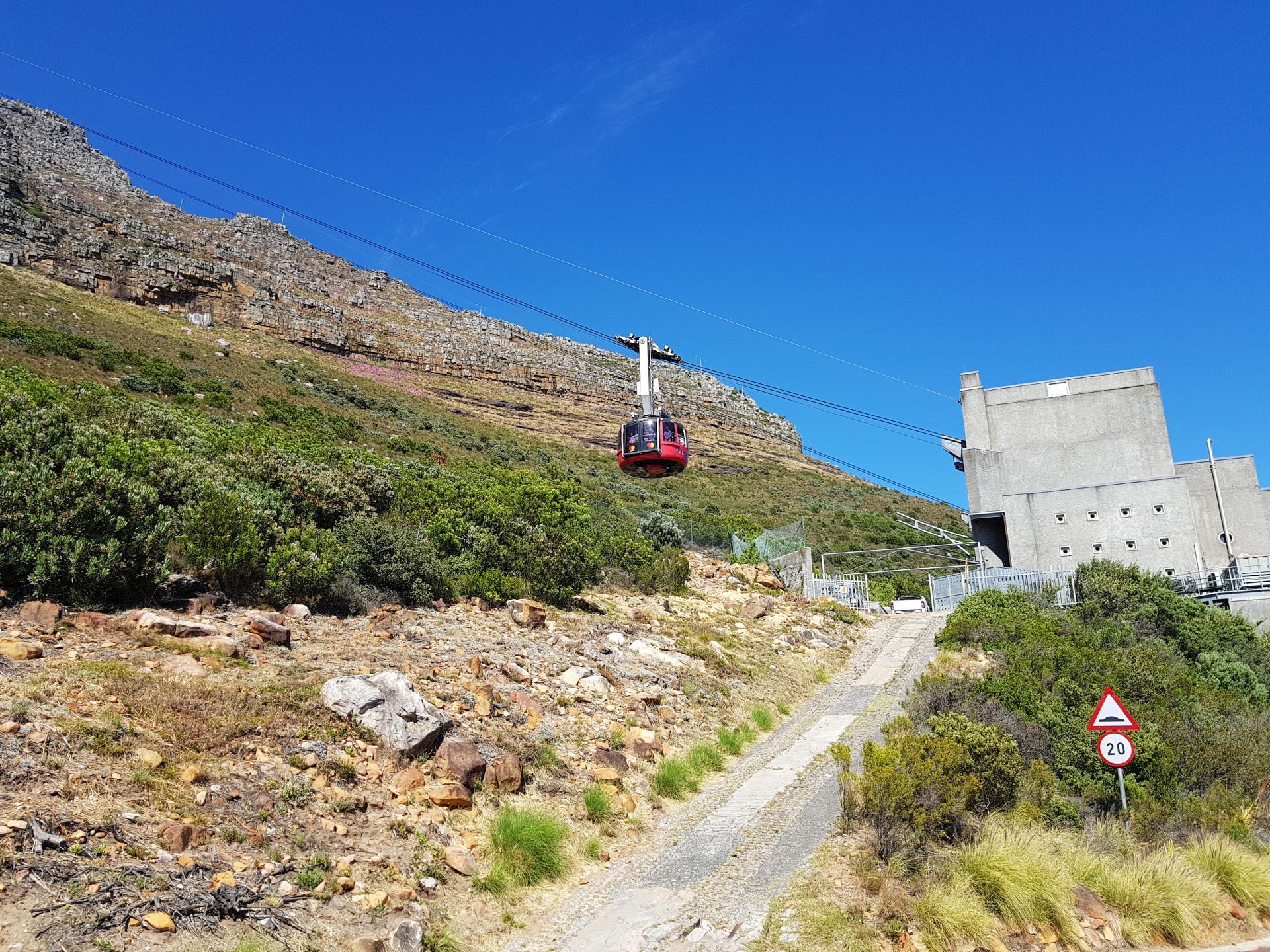кабинка на канатной дороге у Столовой горы, Кейптаун