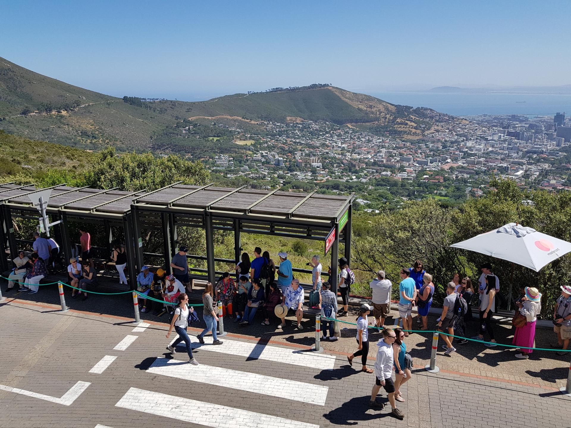 очередь к фуникулеру в Кейптауне