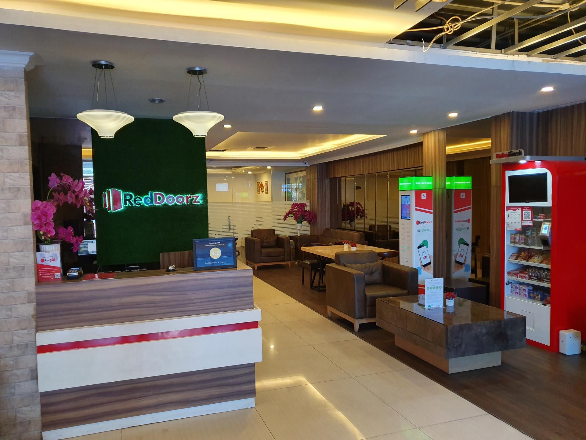 Ресепшен отеля в Джакарте