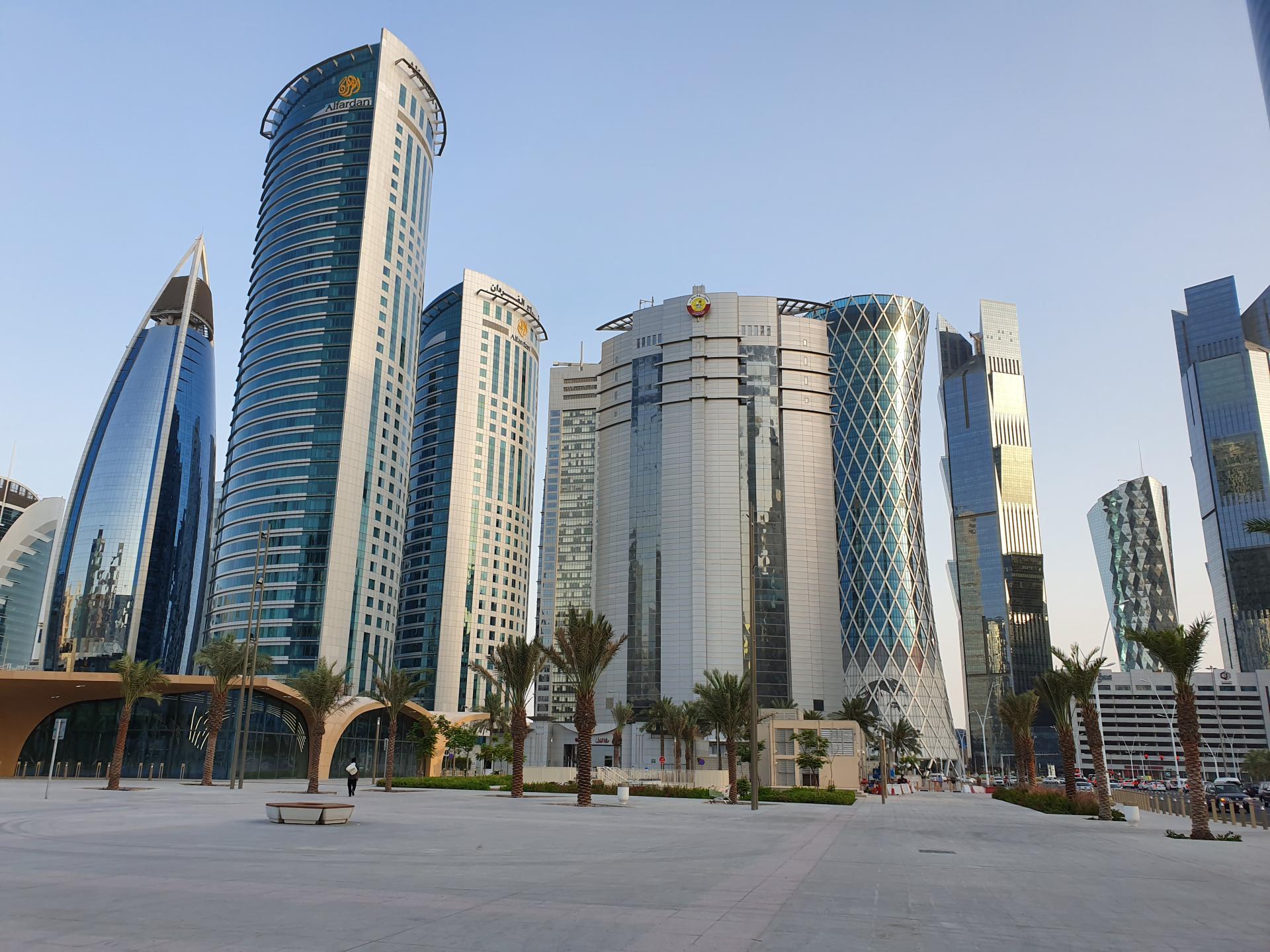Небоскребы в центре Дохи