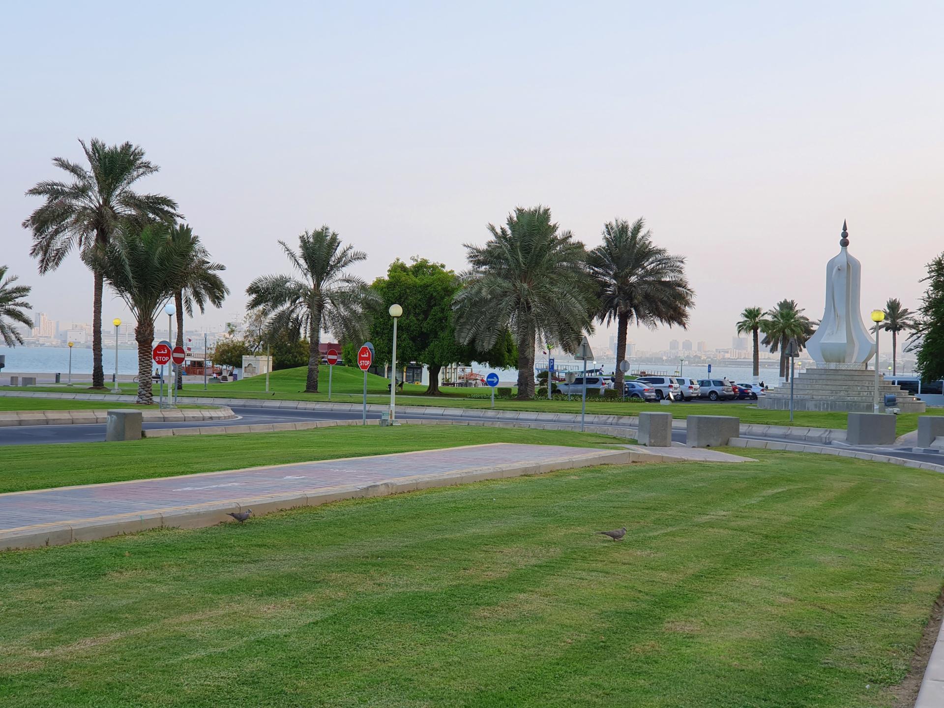 набережная на берегу Персидского залива в Дохе