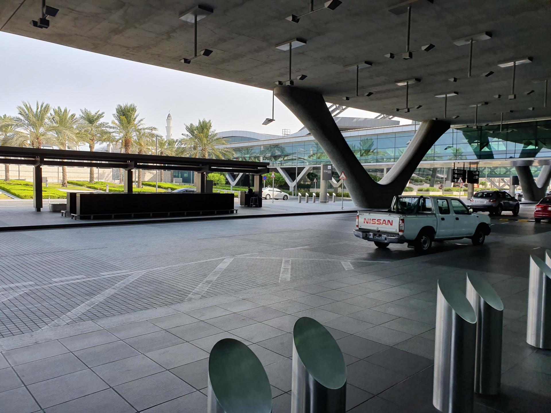 Выход из аэропорта Хамад, Доха