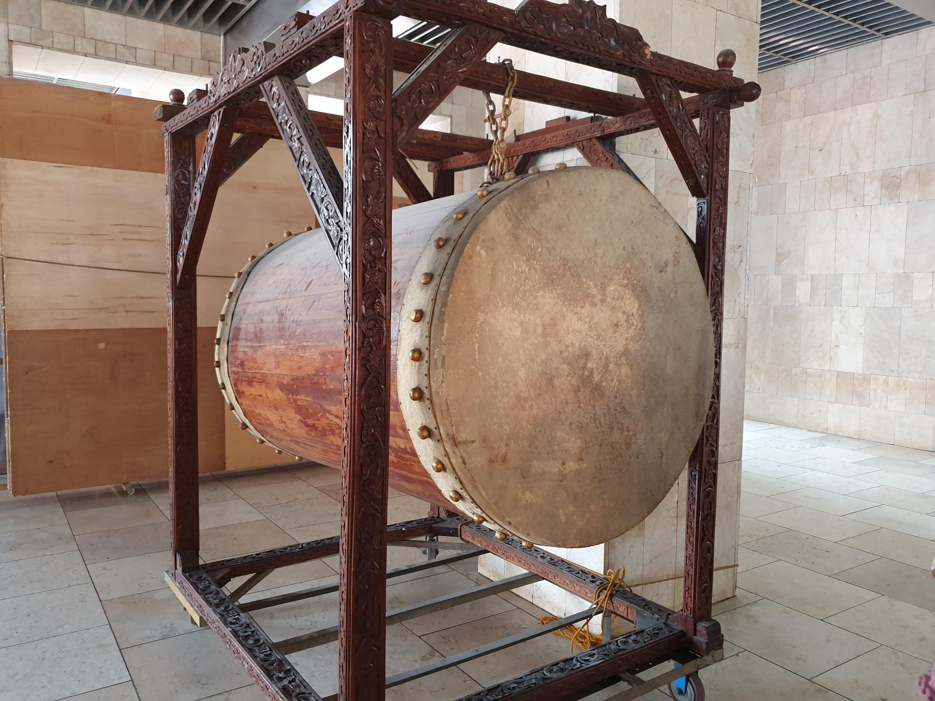 барабан в мечети Истикляль, Джакарта