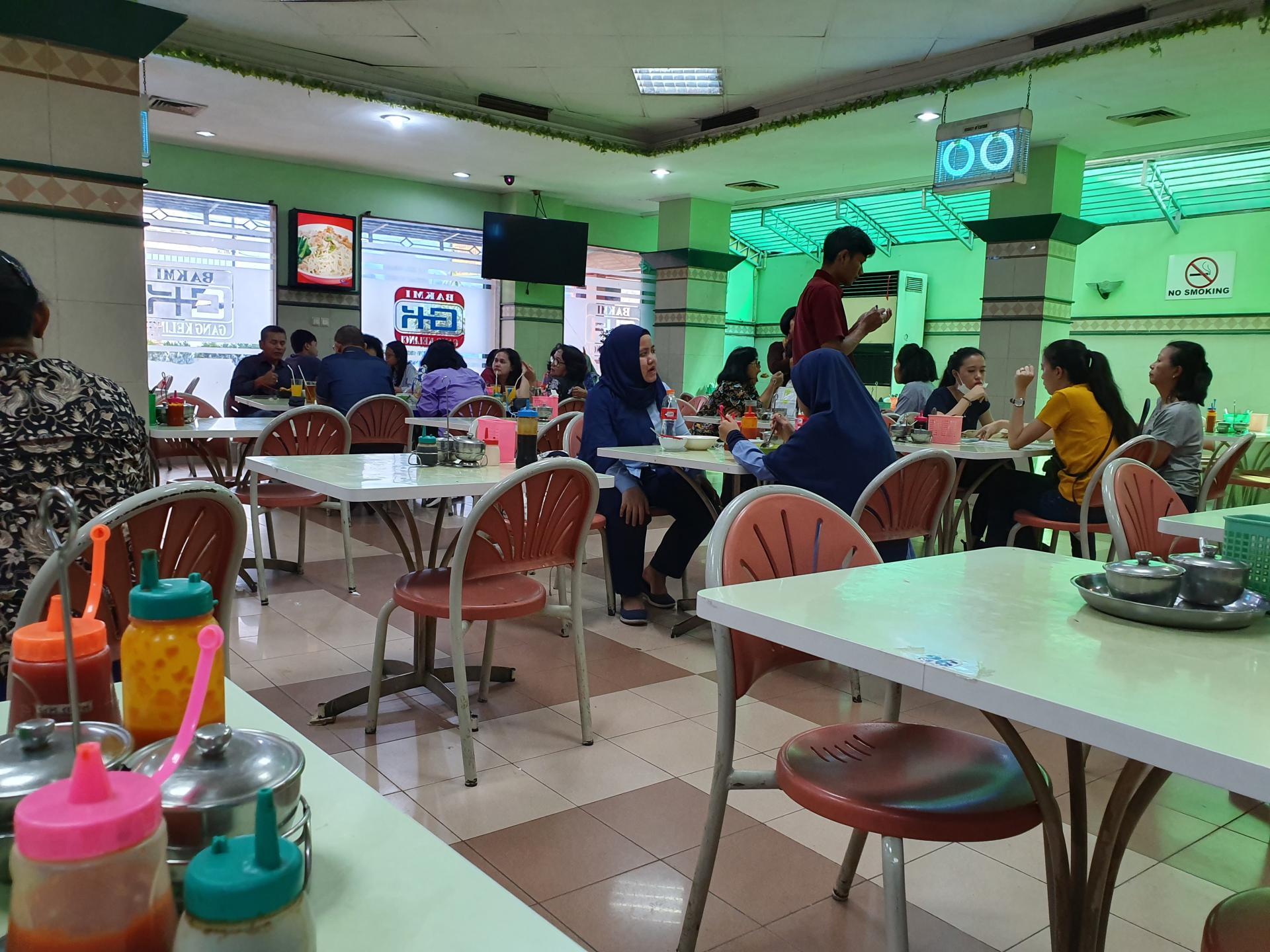местное кафе в Джакарте
