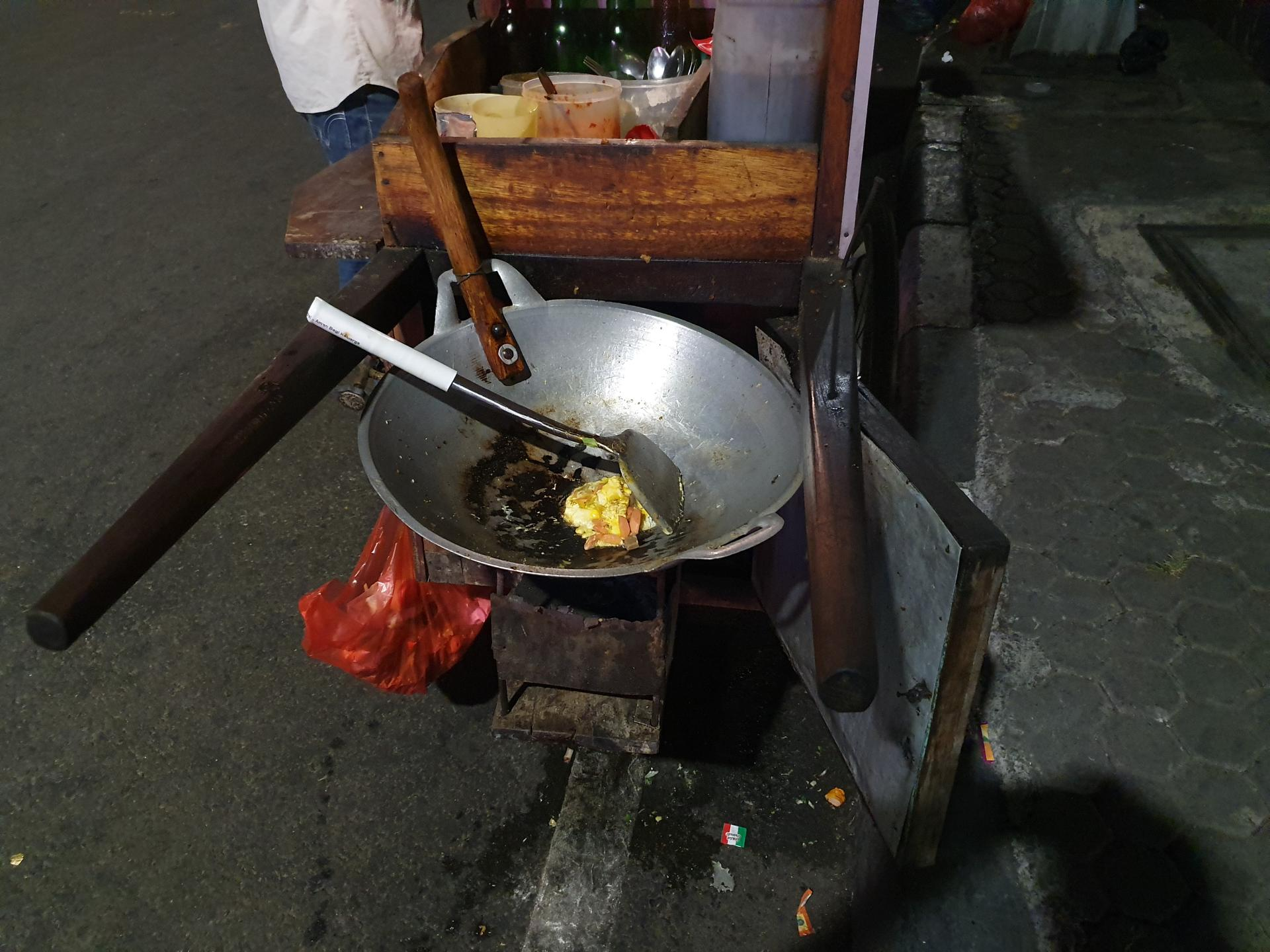 едальня на колесах в Джакарте