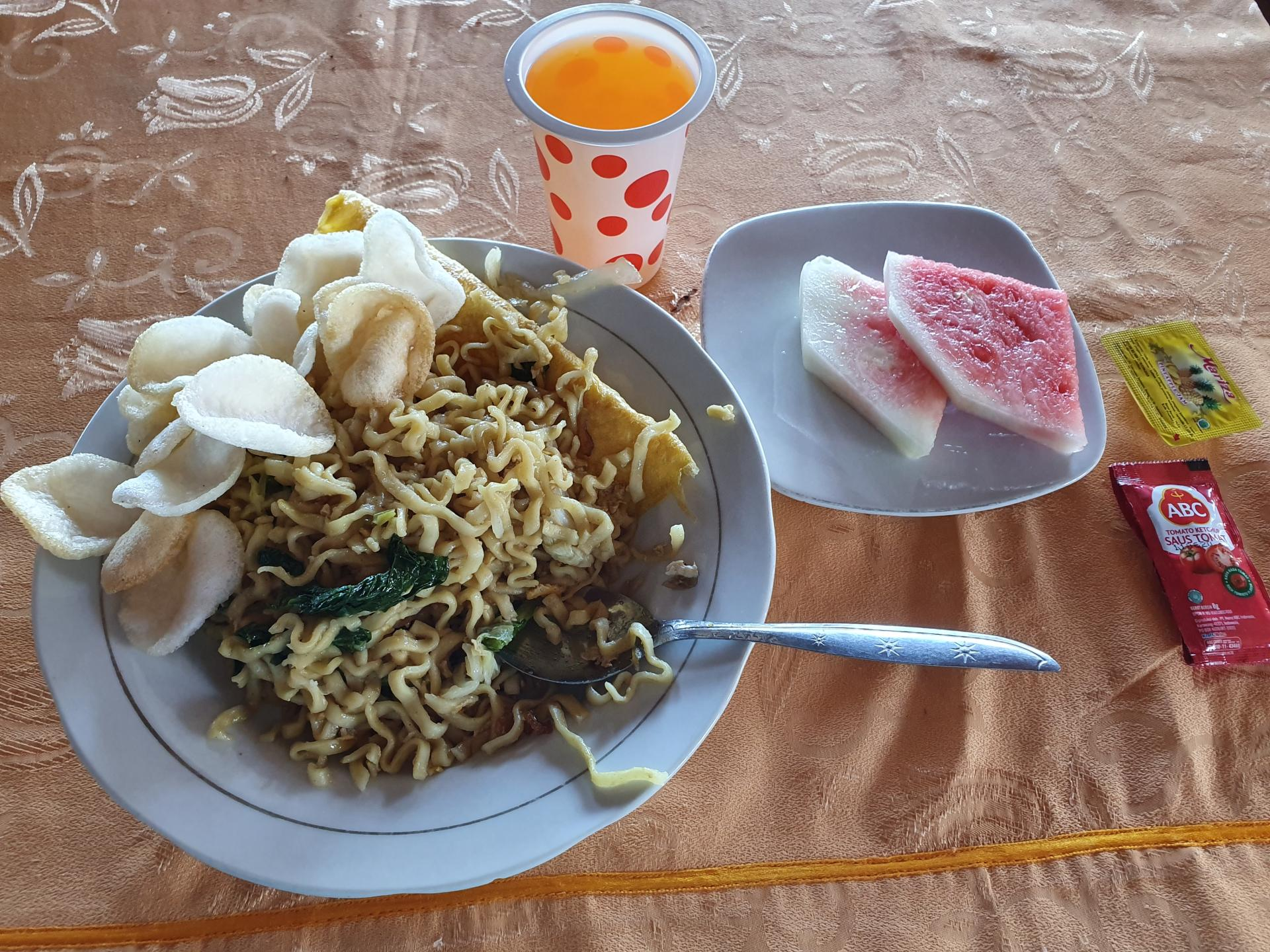 завтрак в Индонезии
