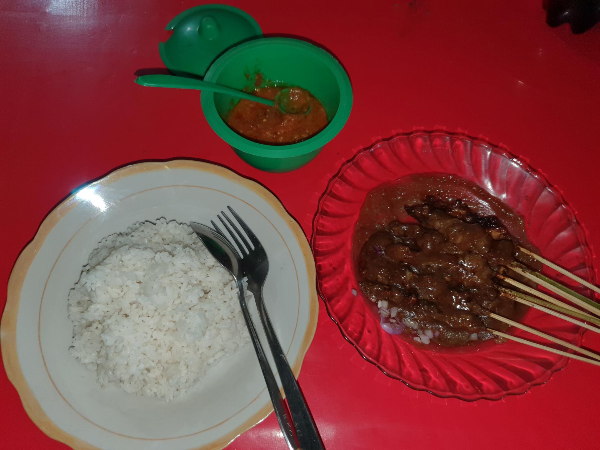 еда в Индонезии: Сатэ