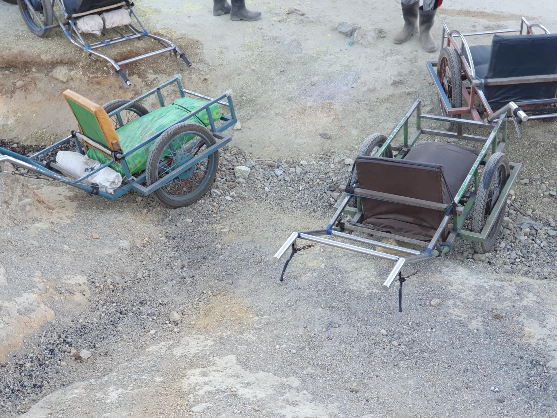 такси-ручная повозка для перевозки человека