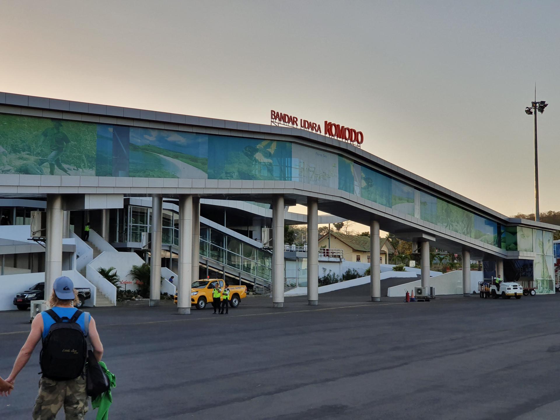 аэропорт города Лабуан-Баджо