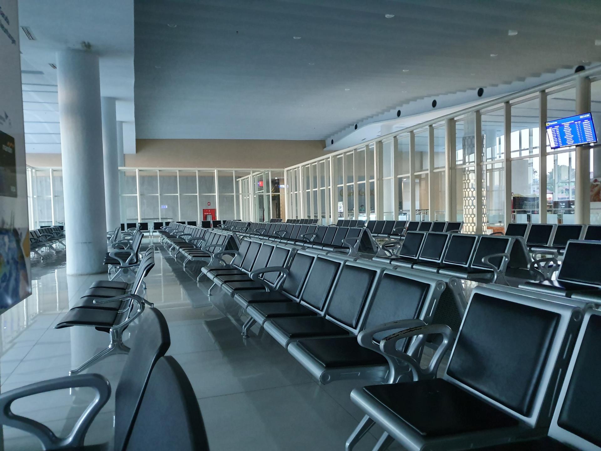 зал аэропорта Лабуан-Баджо