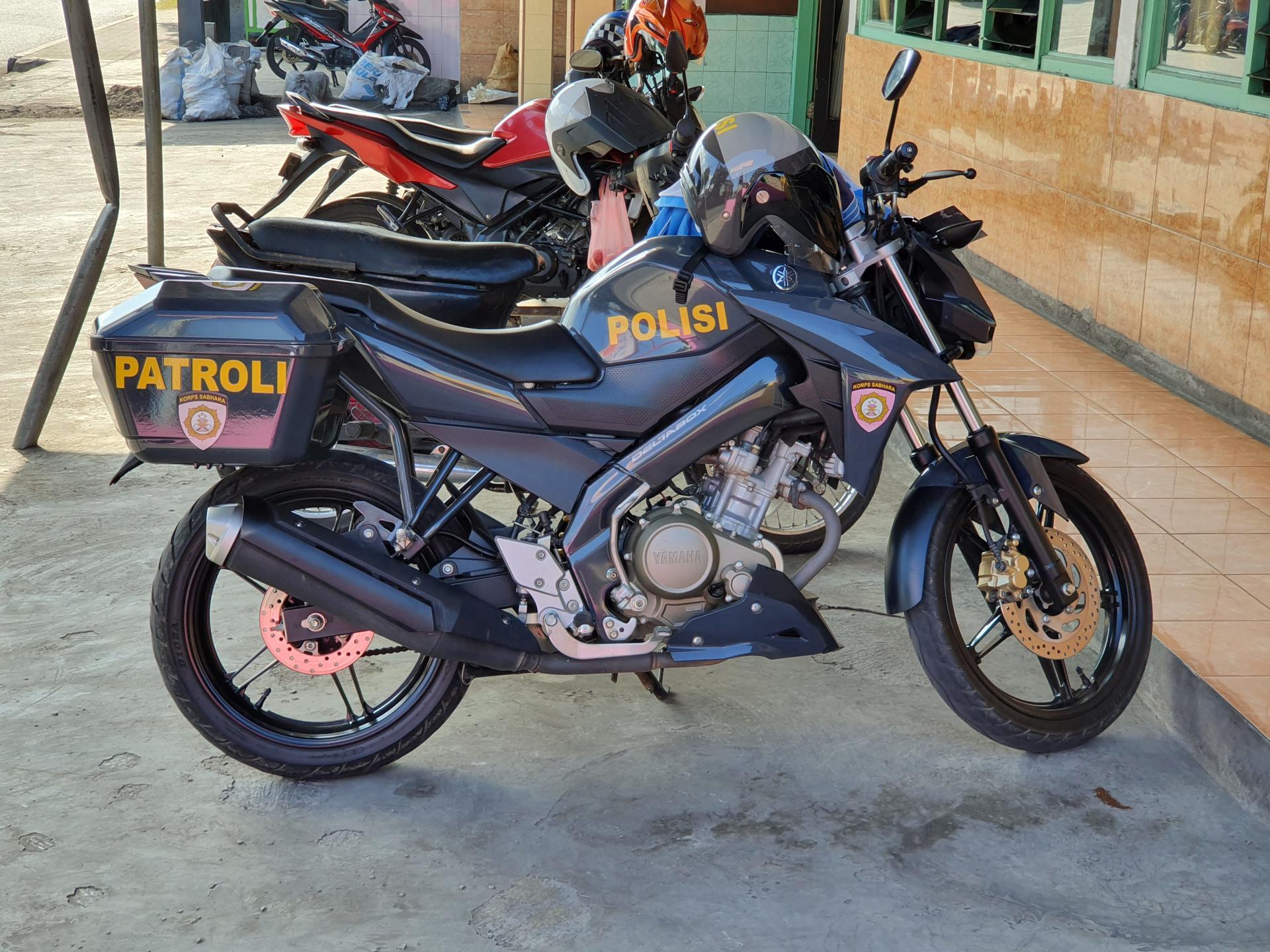полицейский байк в Индонезии