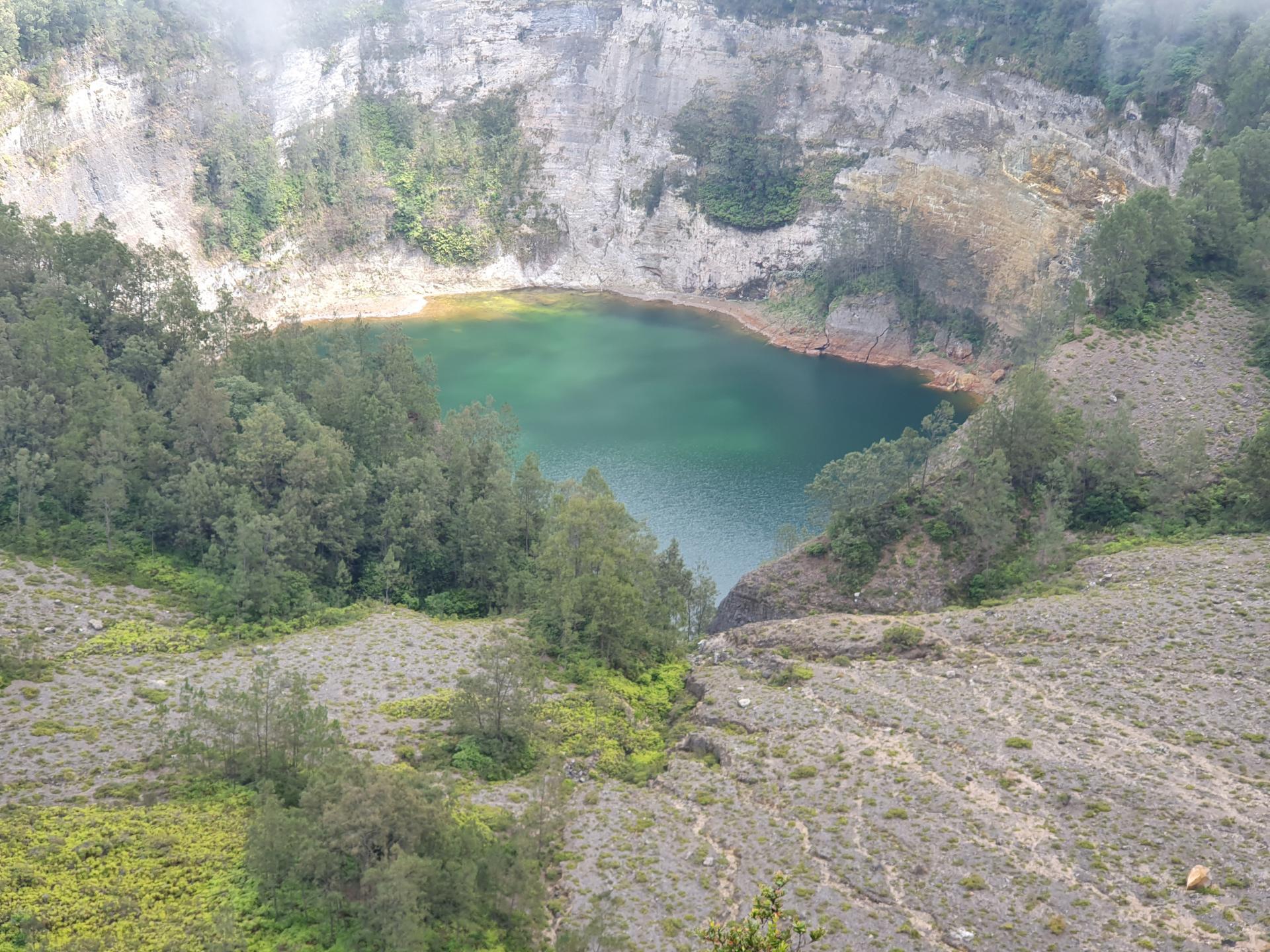 озеро пожилых людей, Келимуту