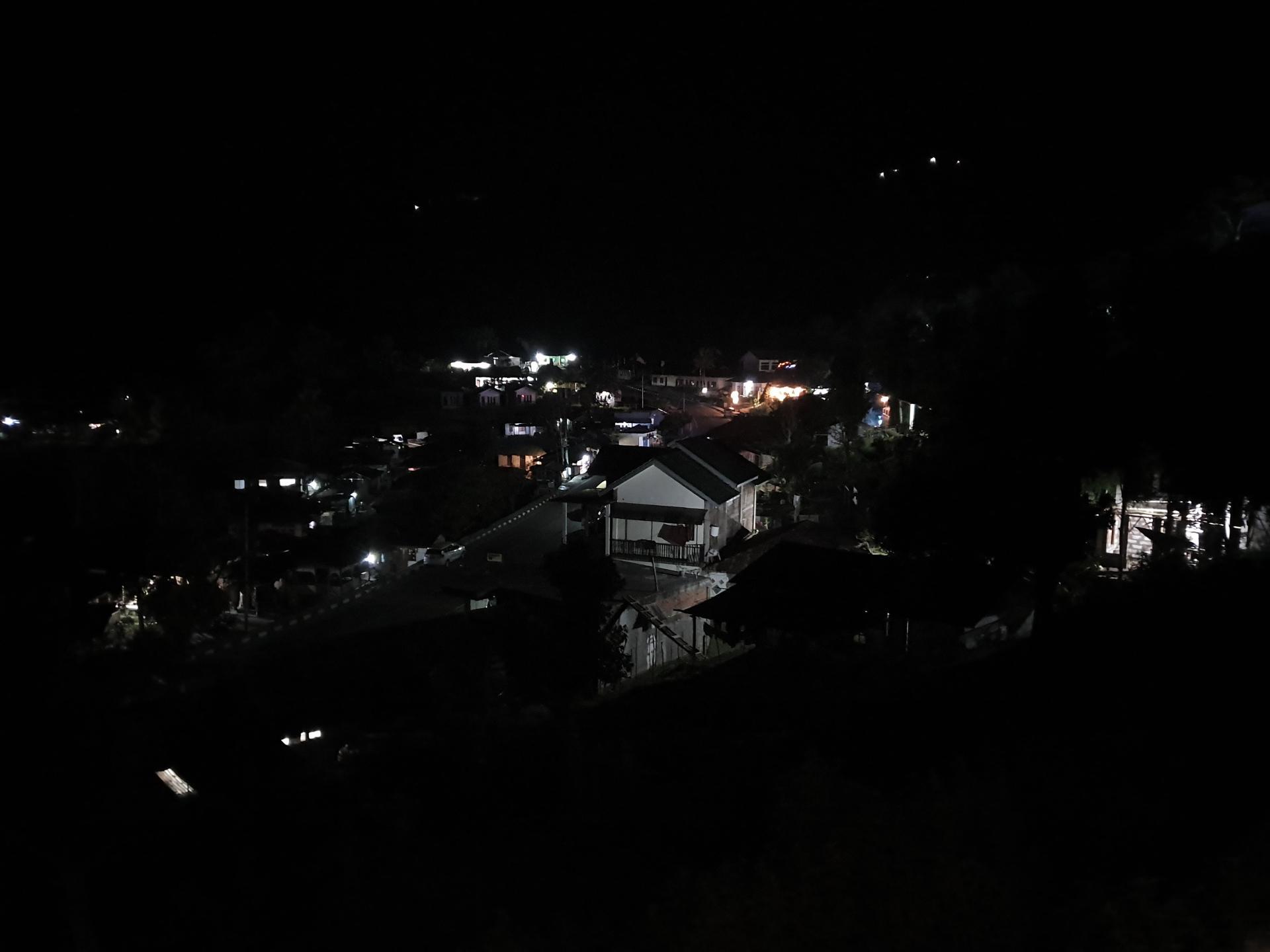 ночь в индонезийской деревне