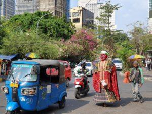 ряженый в Индонезии