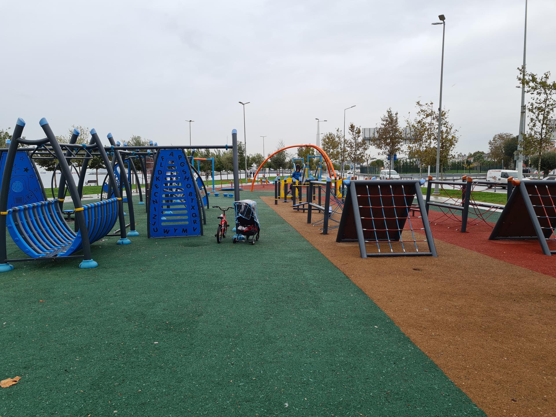 детская площадка в Стамбуле