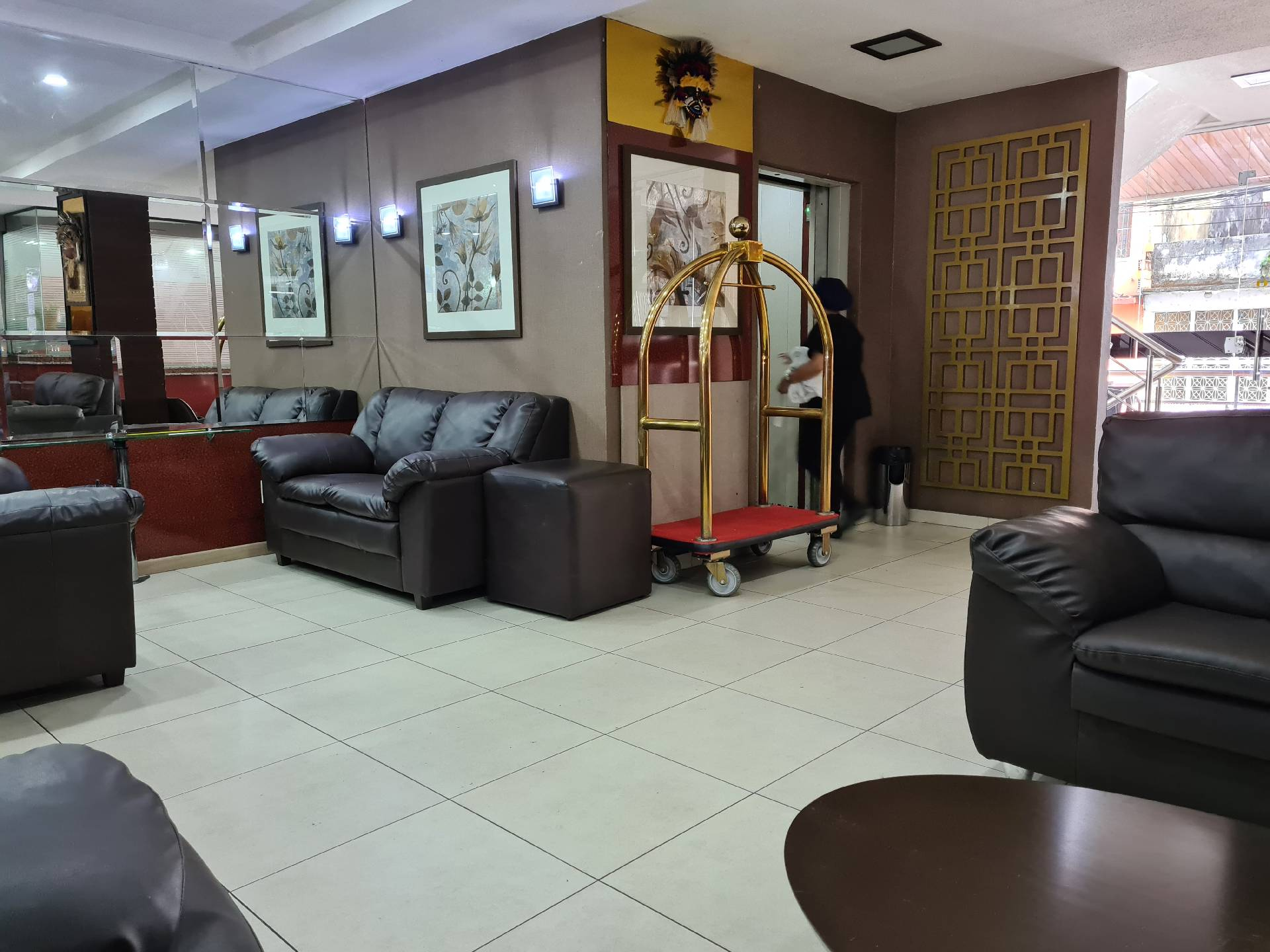 Холл отеля Hotel do Largo Manaus