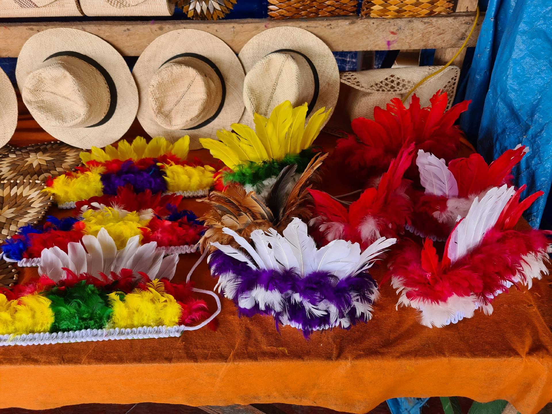 индейские головные уборы из перьев