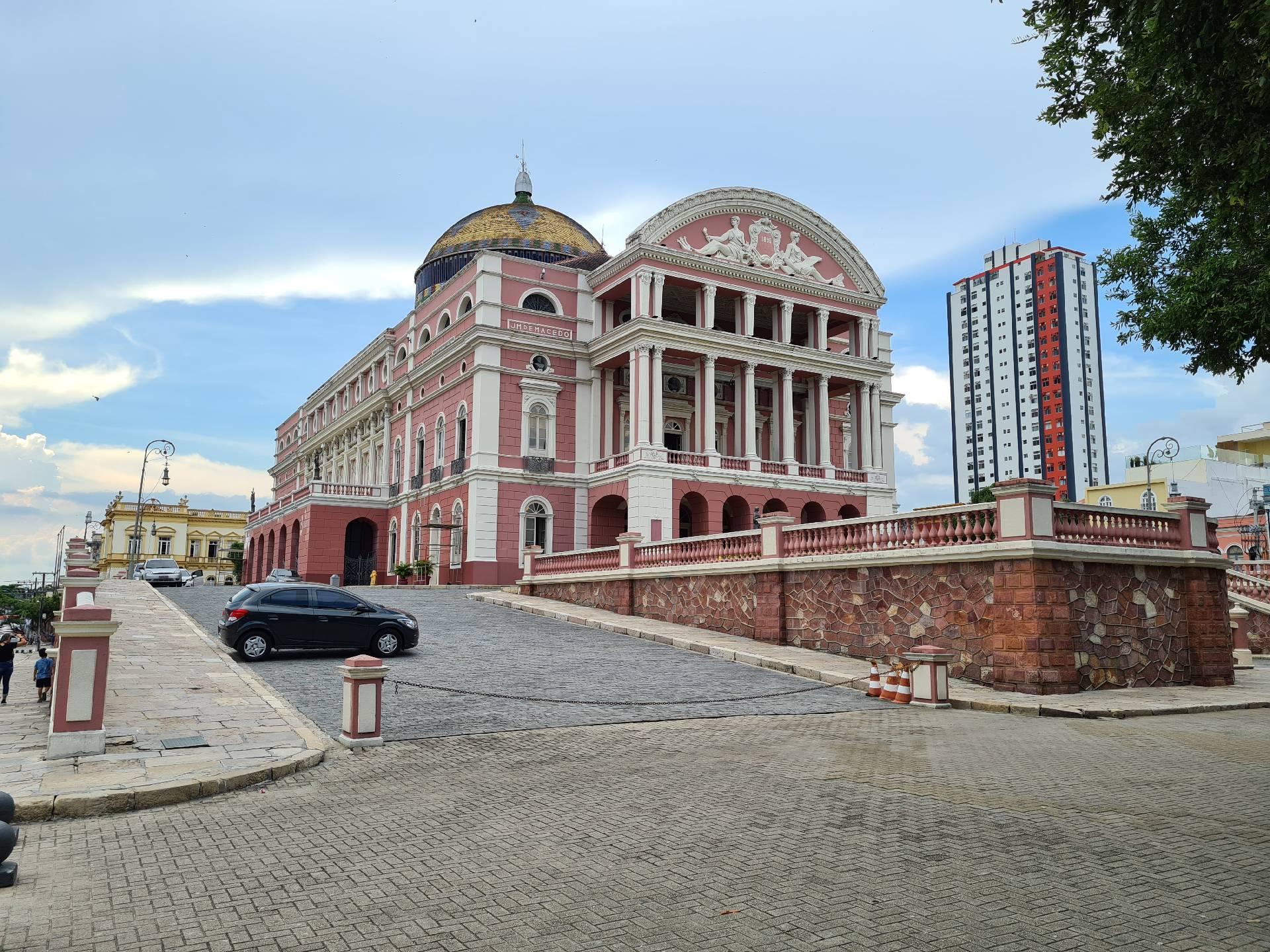 Здание Оперного театра Манауса