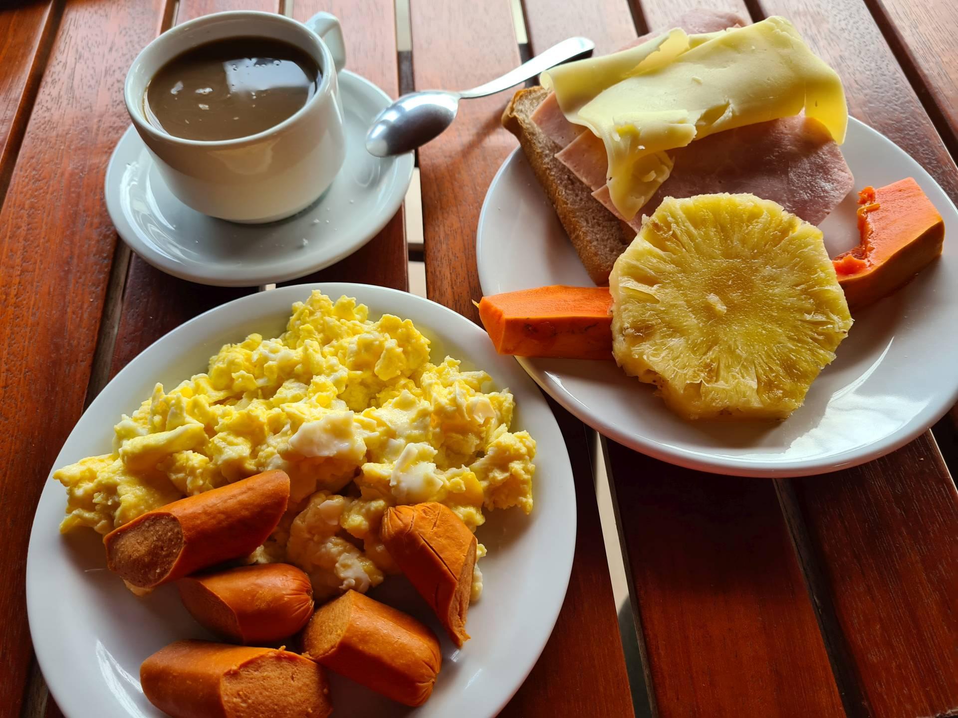 завтрак в бразильском отеле