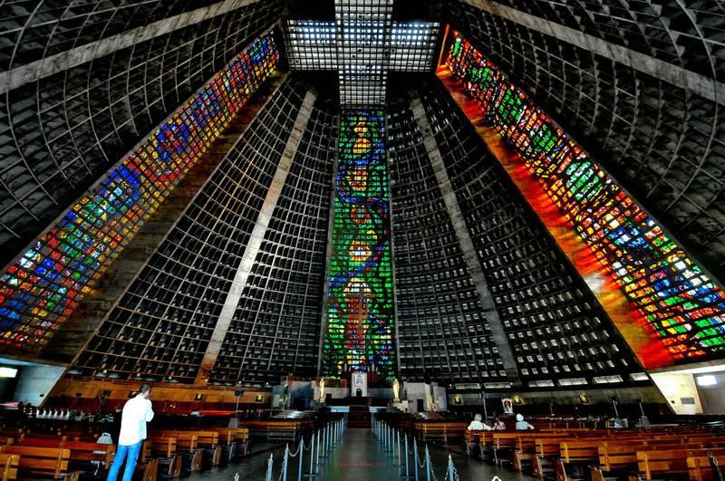 внутри собора святого Себастьяна