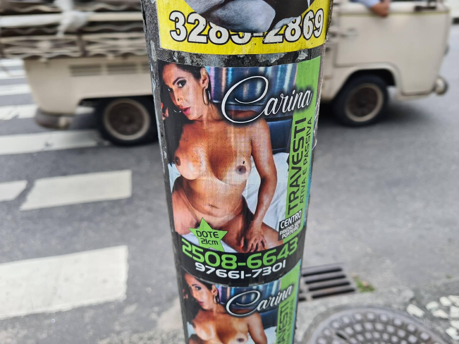 реклама проституток в фавеле Росинья