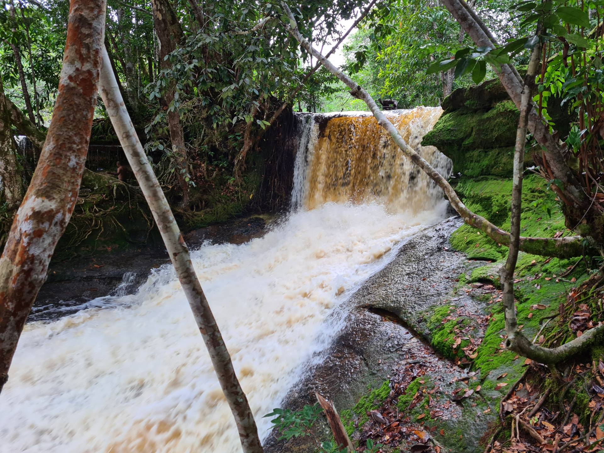 водопад Моко в Бразилии