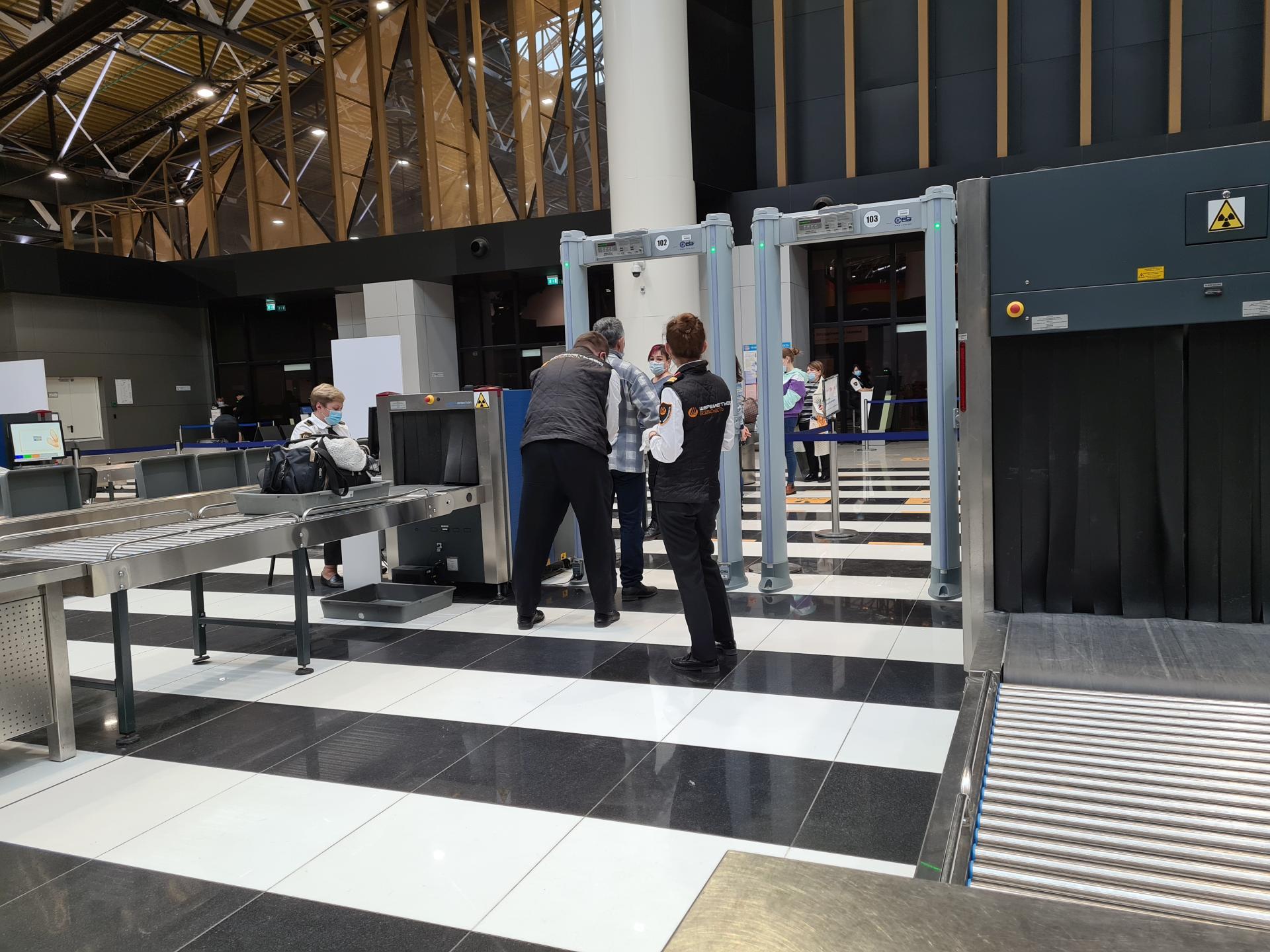 контроль при посадке на рейс в Шереметьево