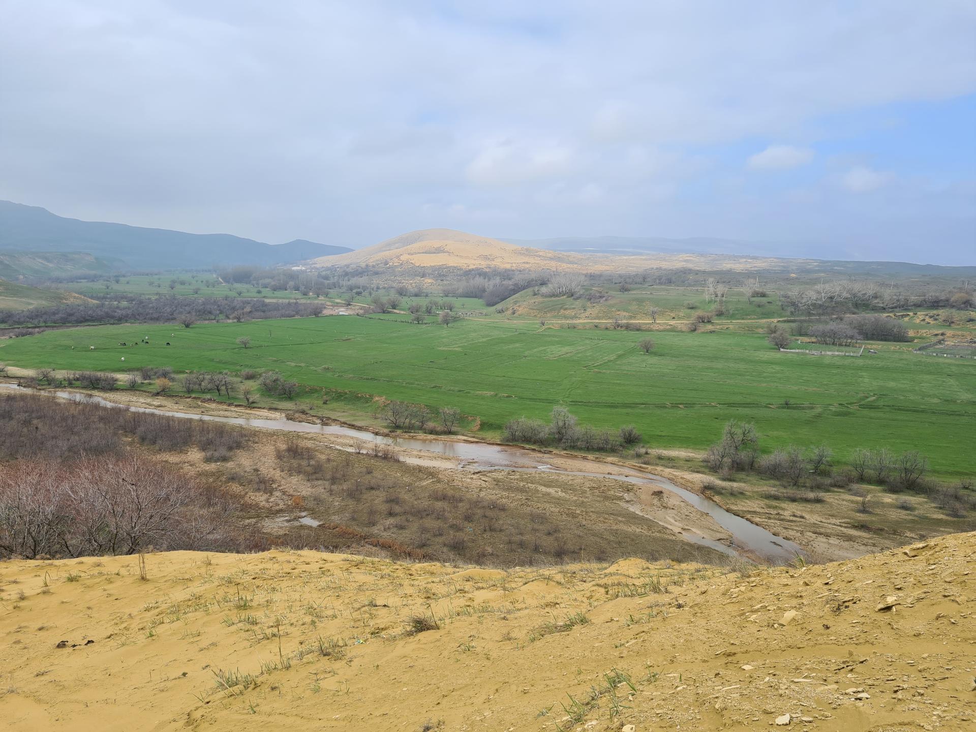 бархан Сарыкум в Дагестане