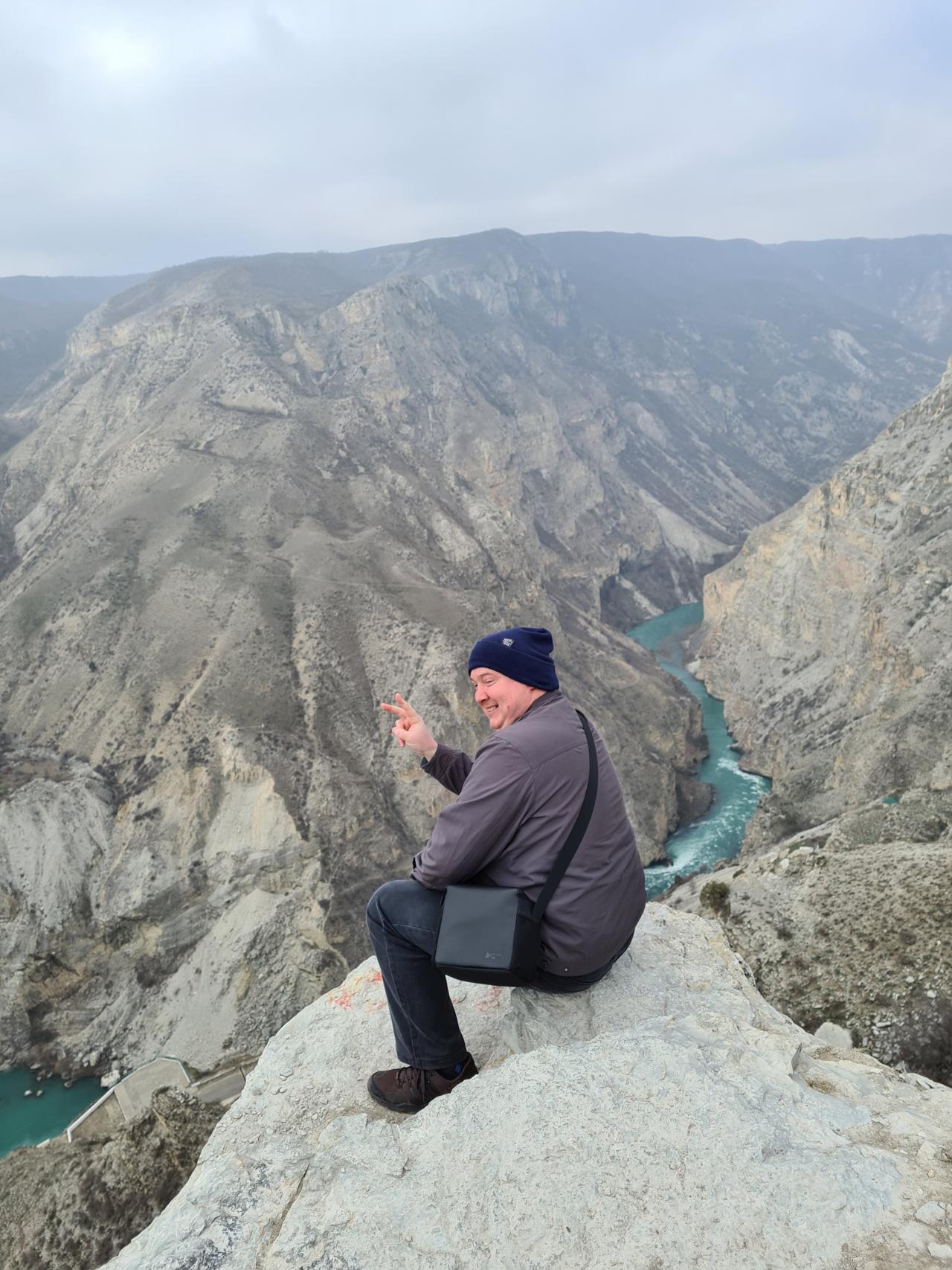 Вятский Лапоть на краю Сулакского каньона